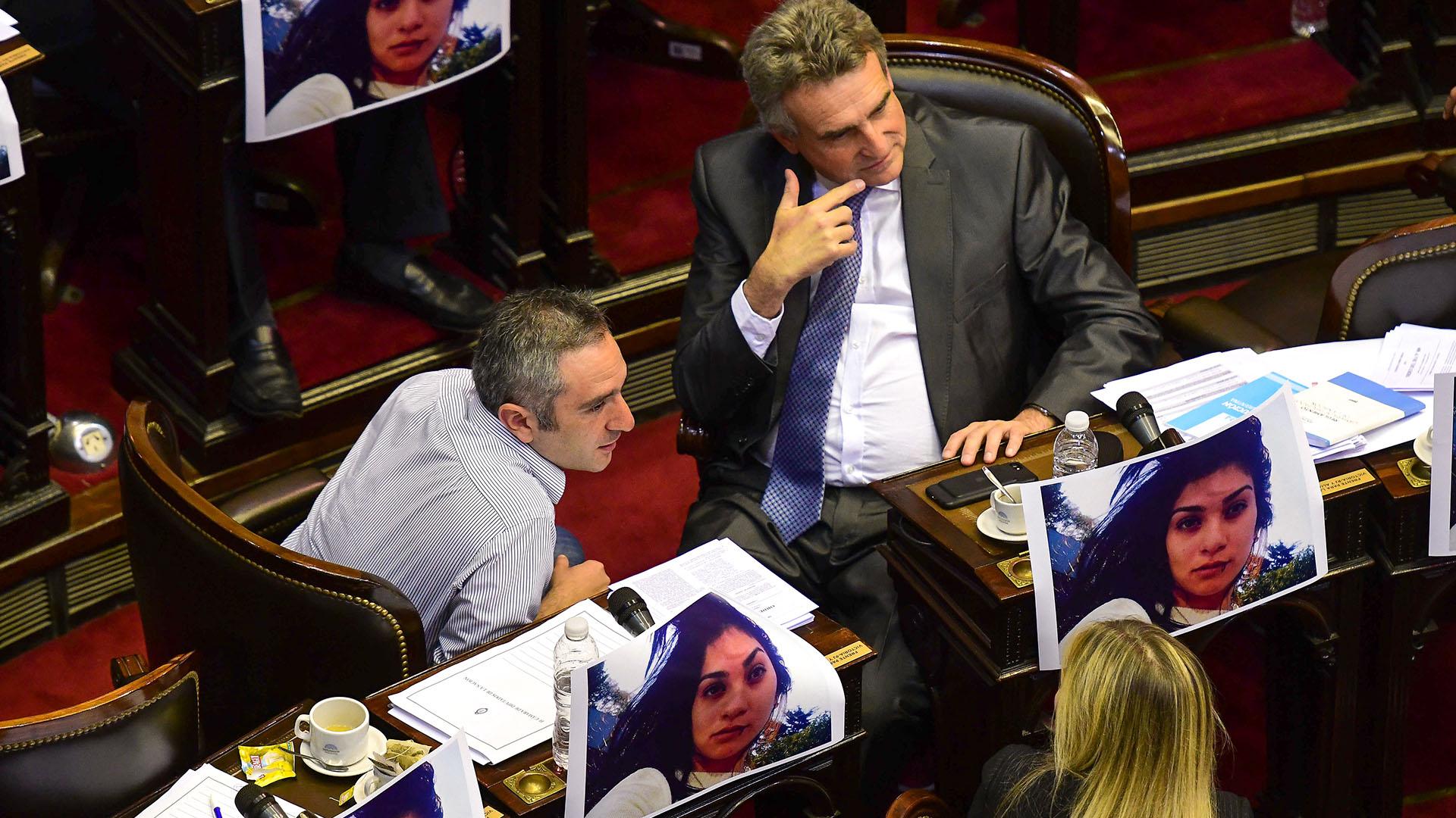 Agustín Rossi y Andrés Larroque. La oposición busca marcarle la agenda al Gobierno (Télam)