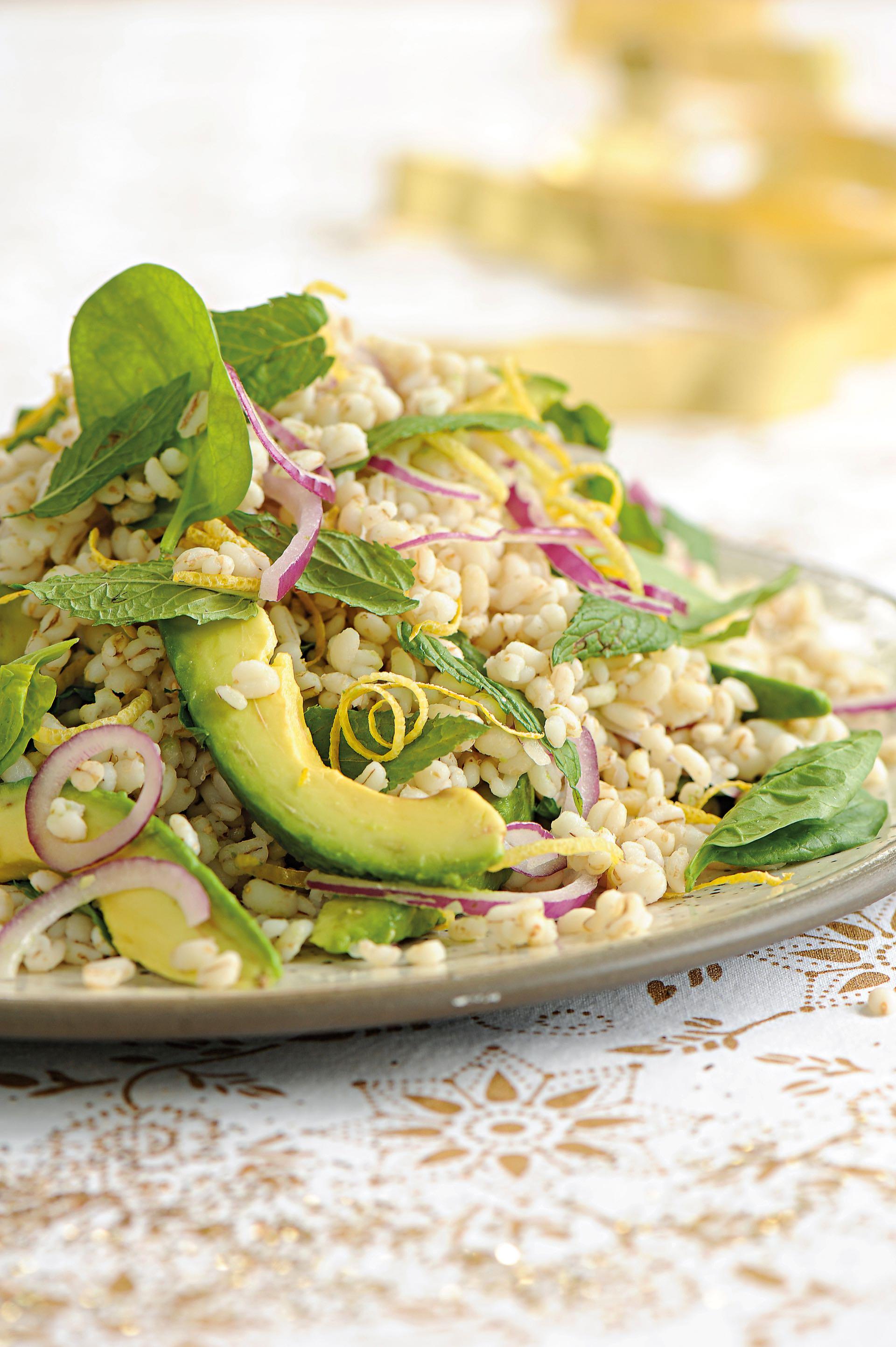 Se recomienda comer comida ligera y saludable (Foto: archivo)