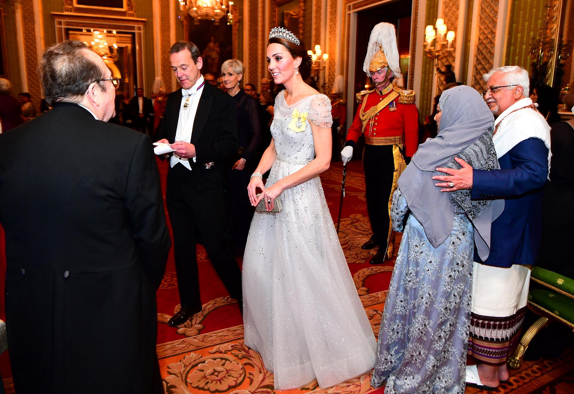 Catalina eligió un vestido de características similares al de la abuela de su marido pero adaptado a su estilo