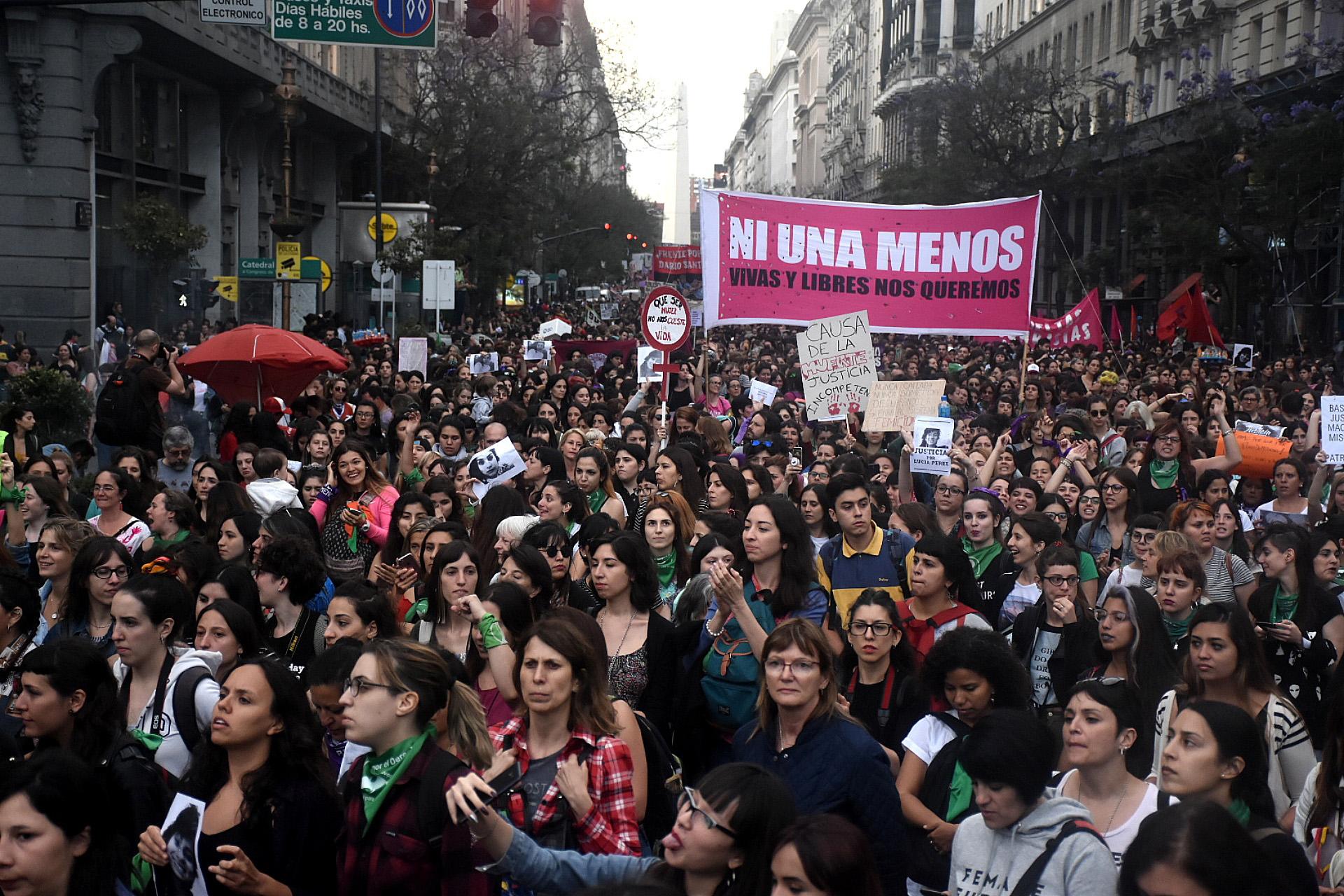 Una multitud se dirigió de Tribunales hasta Plaza de Mayo