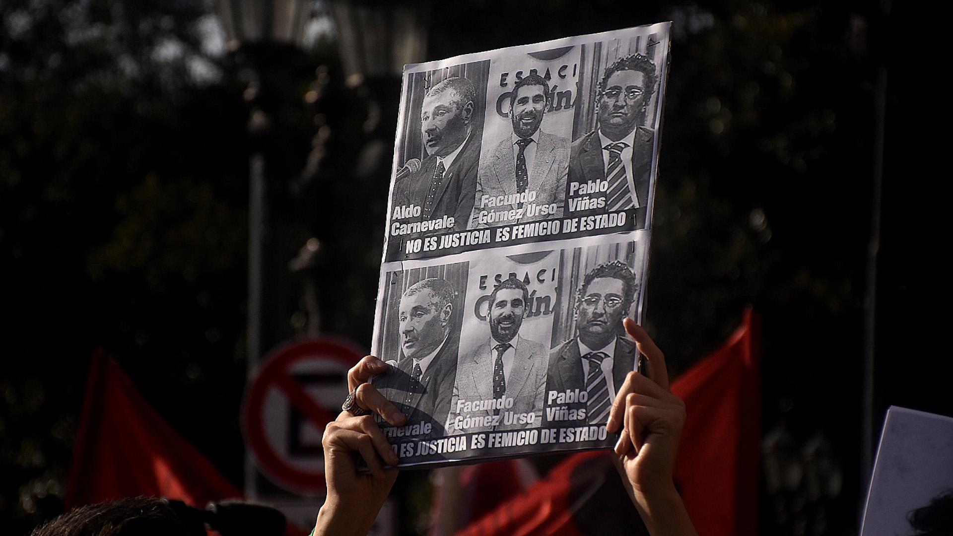 Los jueces que absolvieron a las personas acusadas por la muerte de Lucía Pérez fueron repudiados durante la manifestación