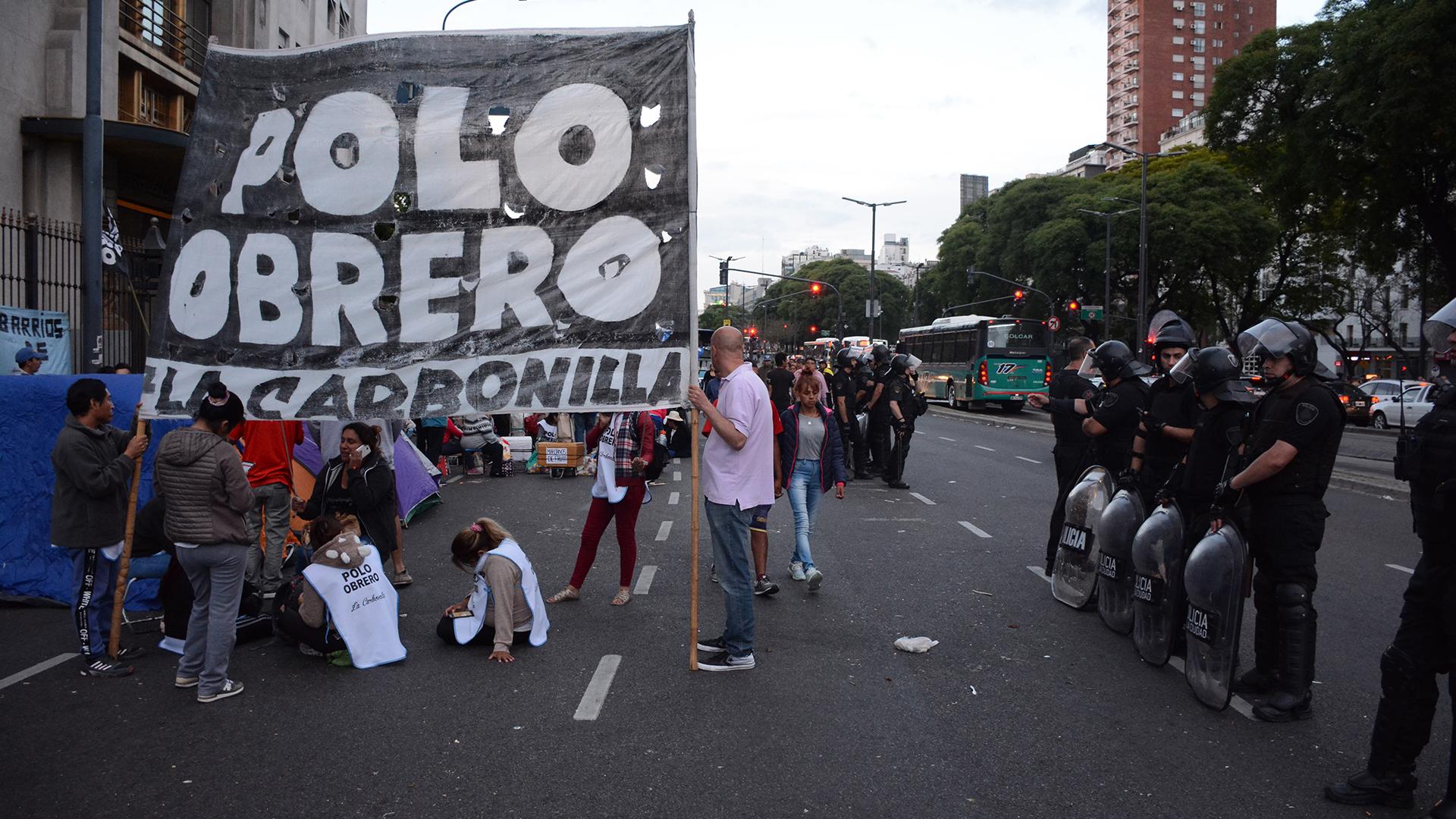 Los militantes del Polo Obrero cortaron la avenida 9 de Julio