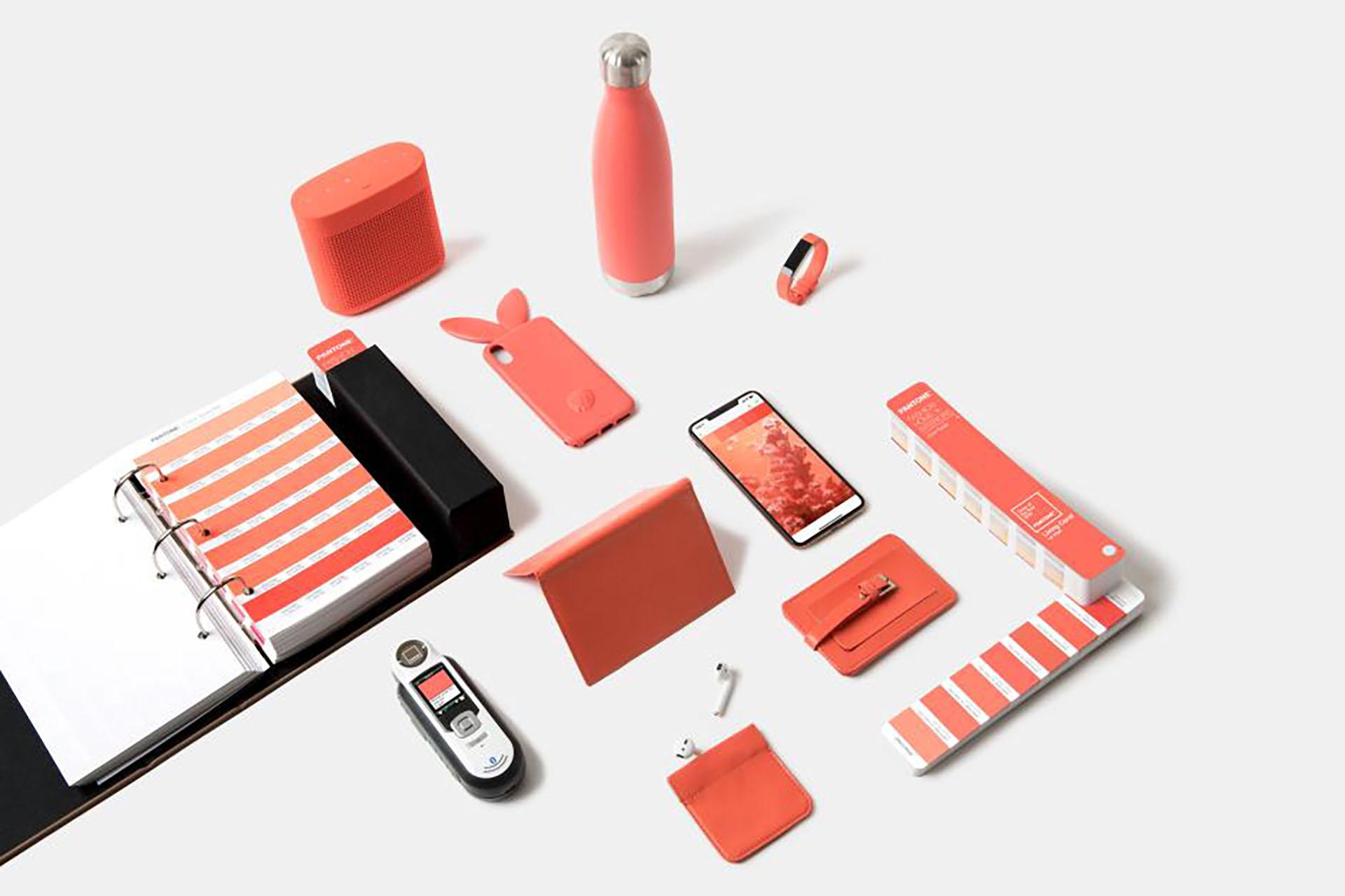 """El """"Living Coral"""" estará presente en todos los sectores. Objetos, decoración, moda y también en tecnología"""