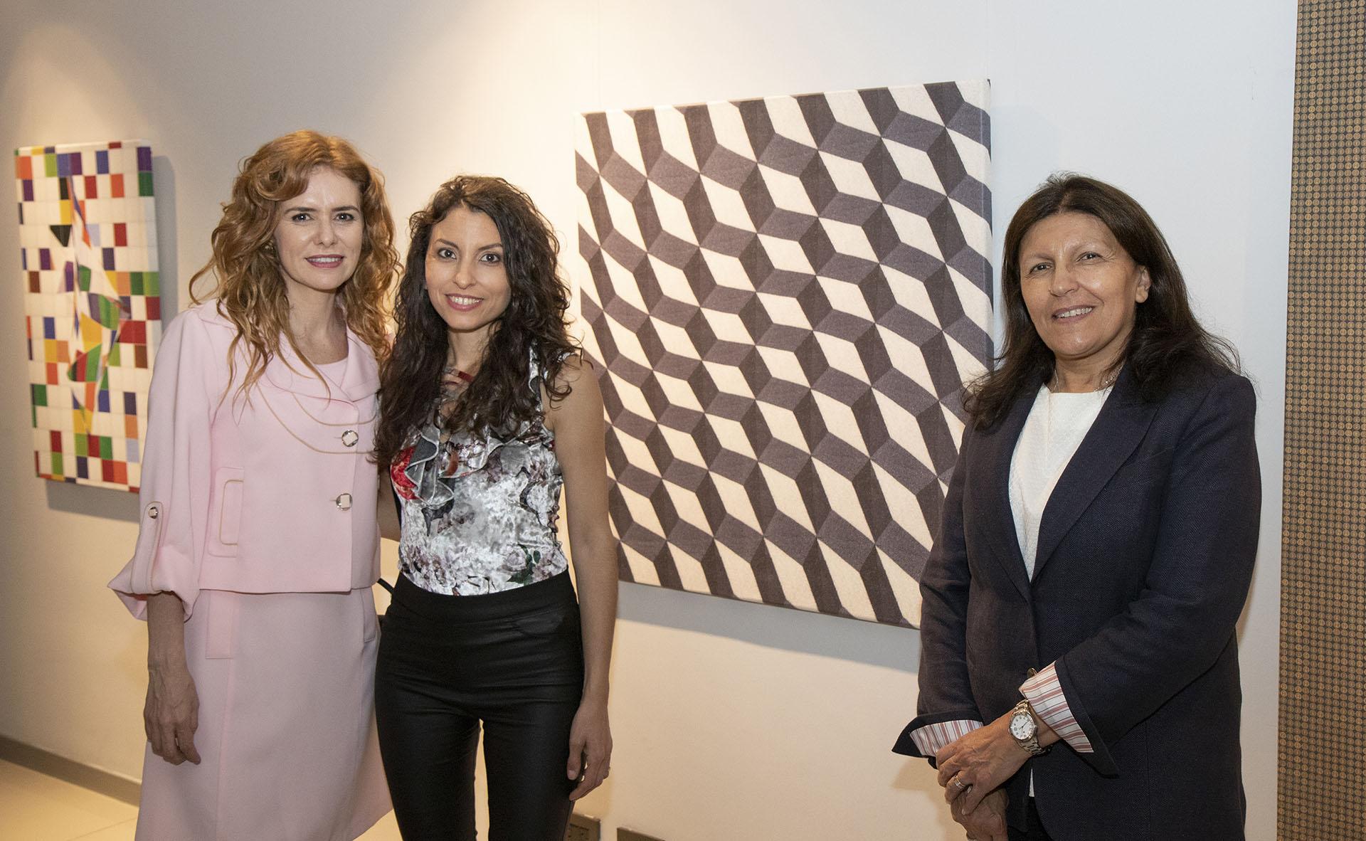 Karina El Azem junto aSumaia y Alicia Daher