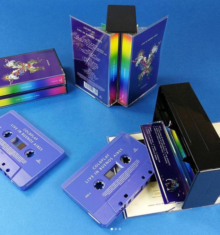 También presentaron una edición limitada de dos casetes