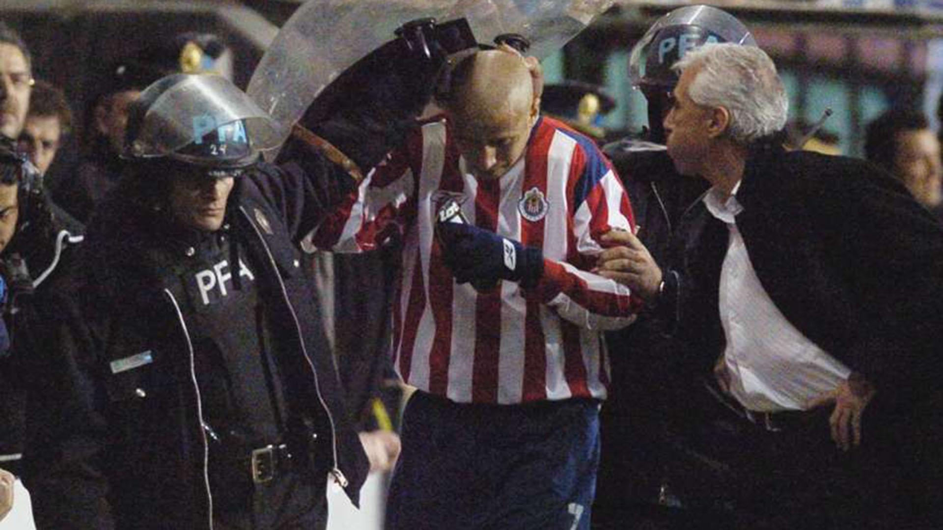 Jorge Benítez escupió a Bofo Bautista (REUTERS/Alejandro Amdan-Telam)