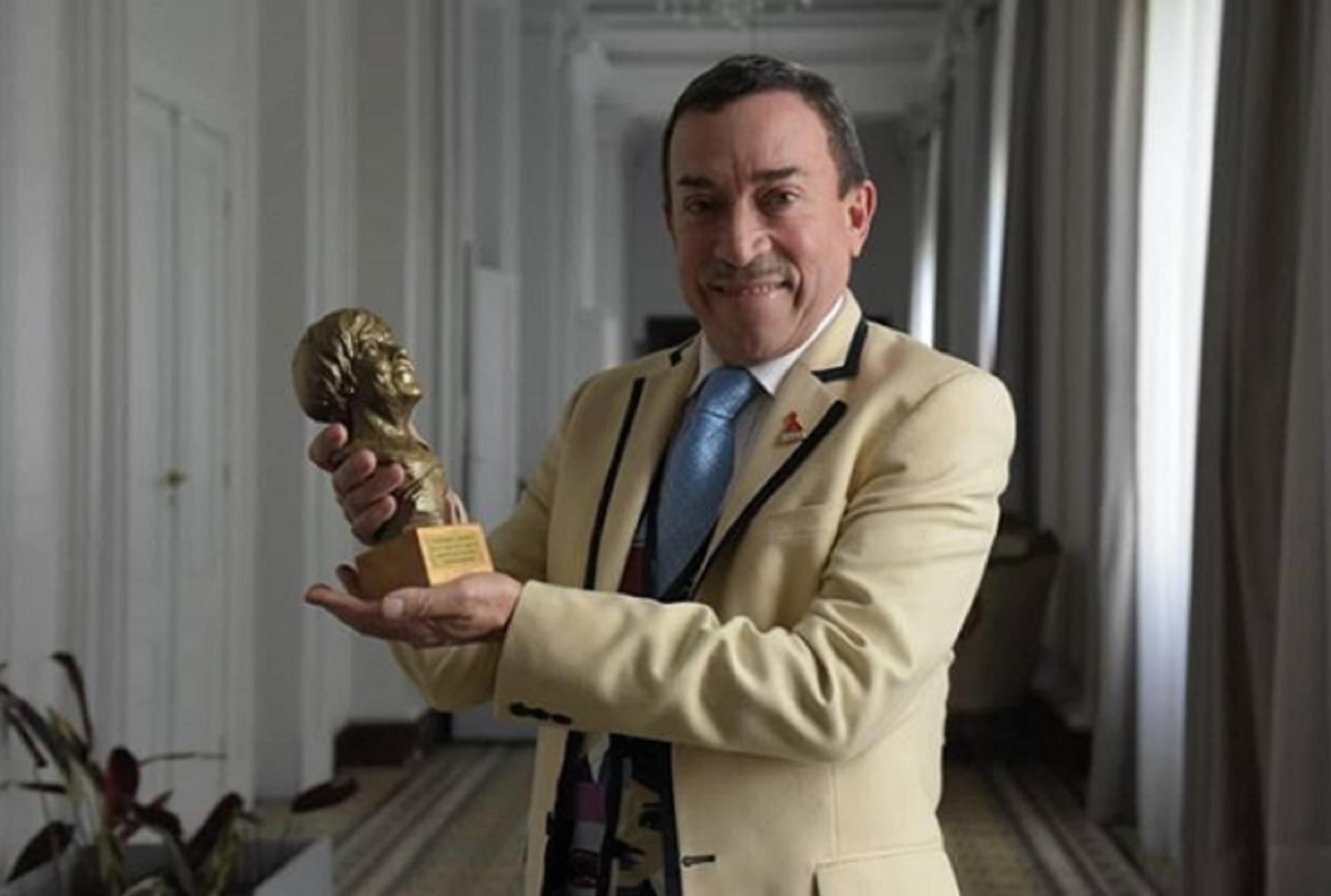 El coreógrafo agradeció el premio que recibió en la Cámara de Diputados de la Provincia de Buenos Aires