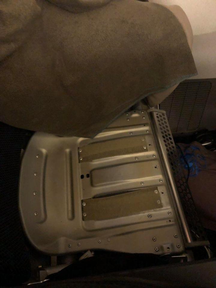 El asiento estaba empapado de orina (Foto: @LexLax1)
