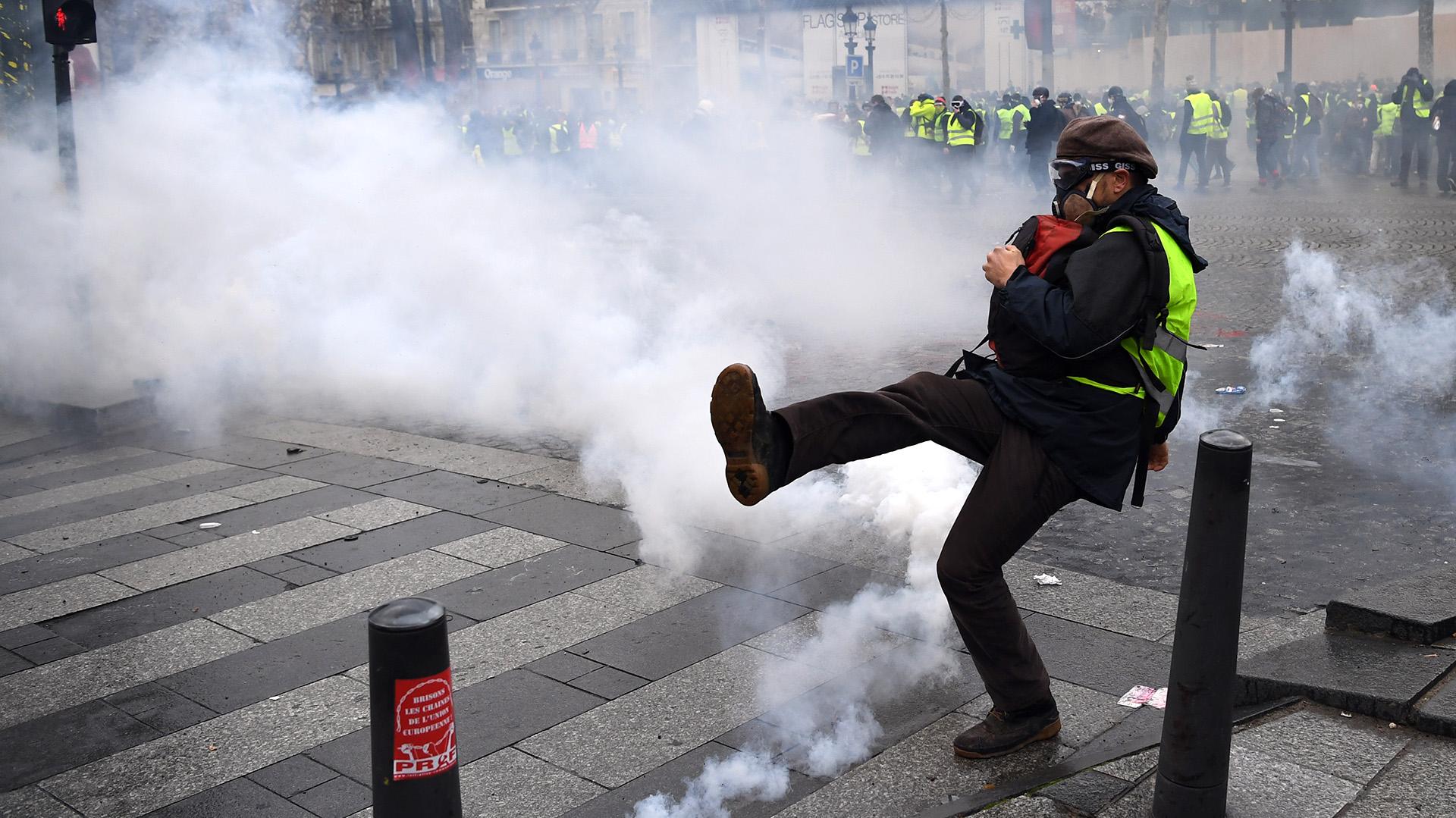 Los estudiantes bloqueron centros y participaron en manifestaciones, algunas de ellas empañadas por enfrentamientos con la policía (AFP)