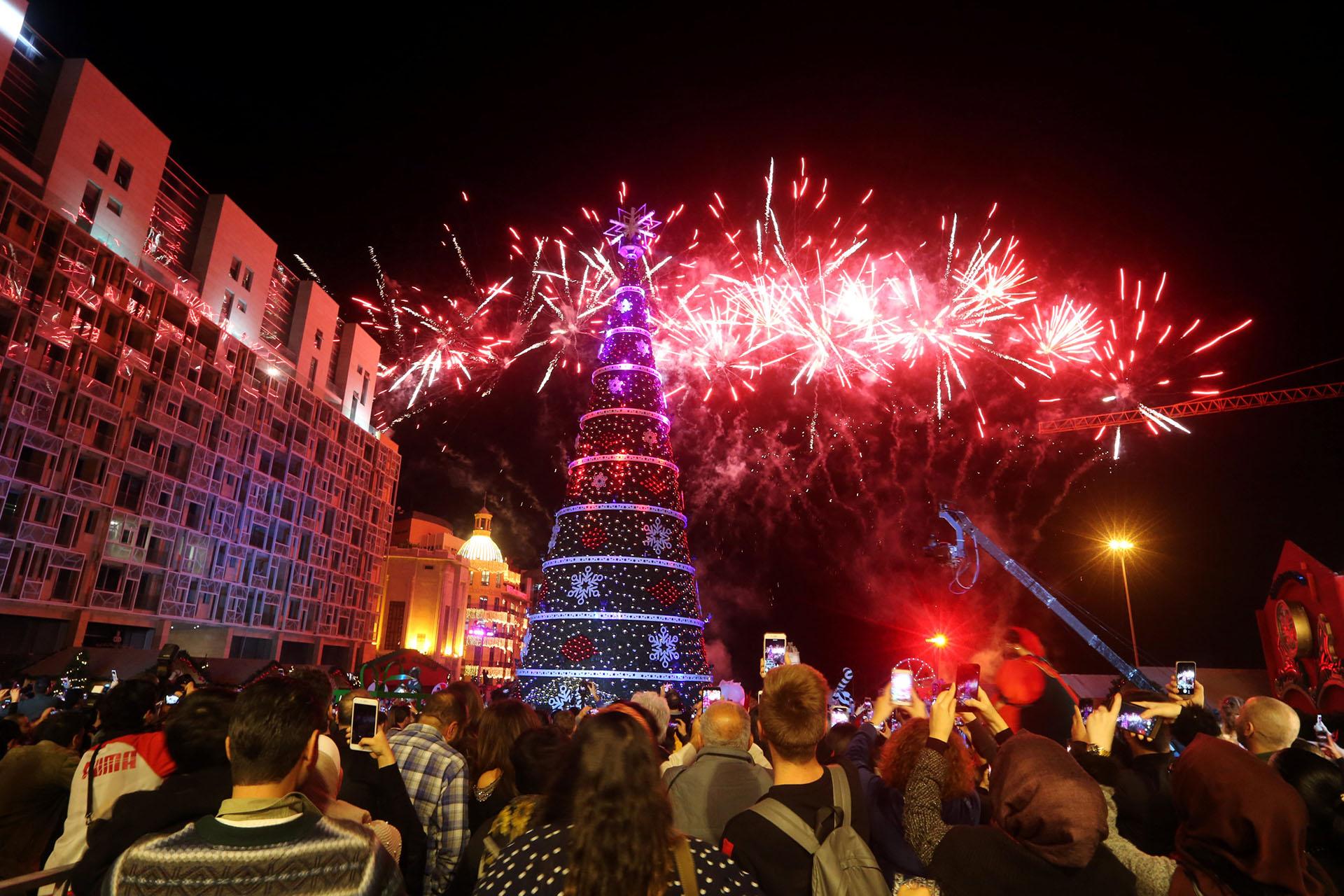 BEIRUT, LÍBANO. El día de la inauguración los ciudadanos disfrutaron de un show de fuegos artificiales