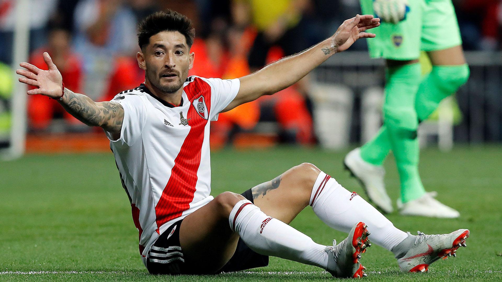 Casco recuperó su lugar ante la partida de Saracchi y volvió al nivel que tuvo en Newell's (Foto: EFE/Juan Carlos Hidalgo)