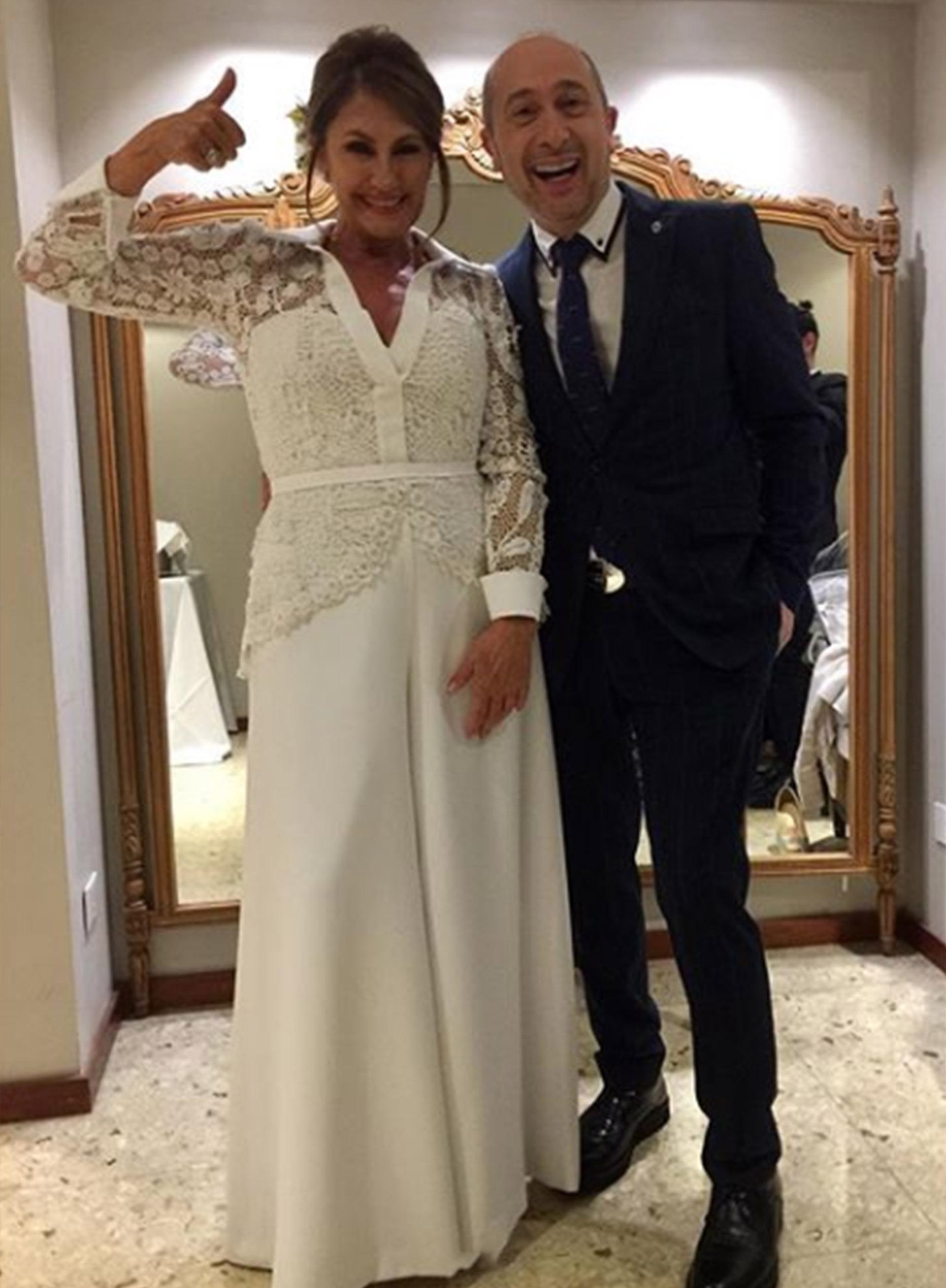 Blanca y radiante: Fernández Barrio con Claudio Cosano, el responsable de su vestido