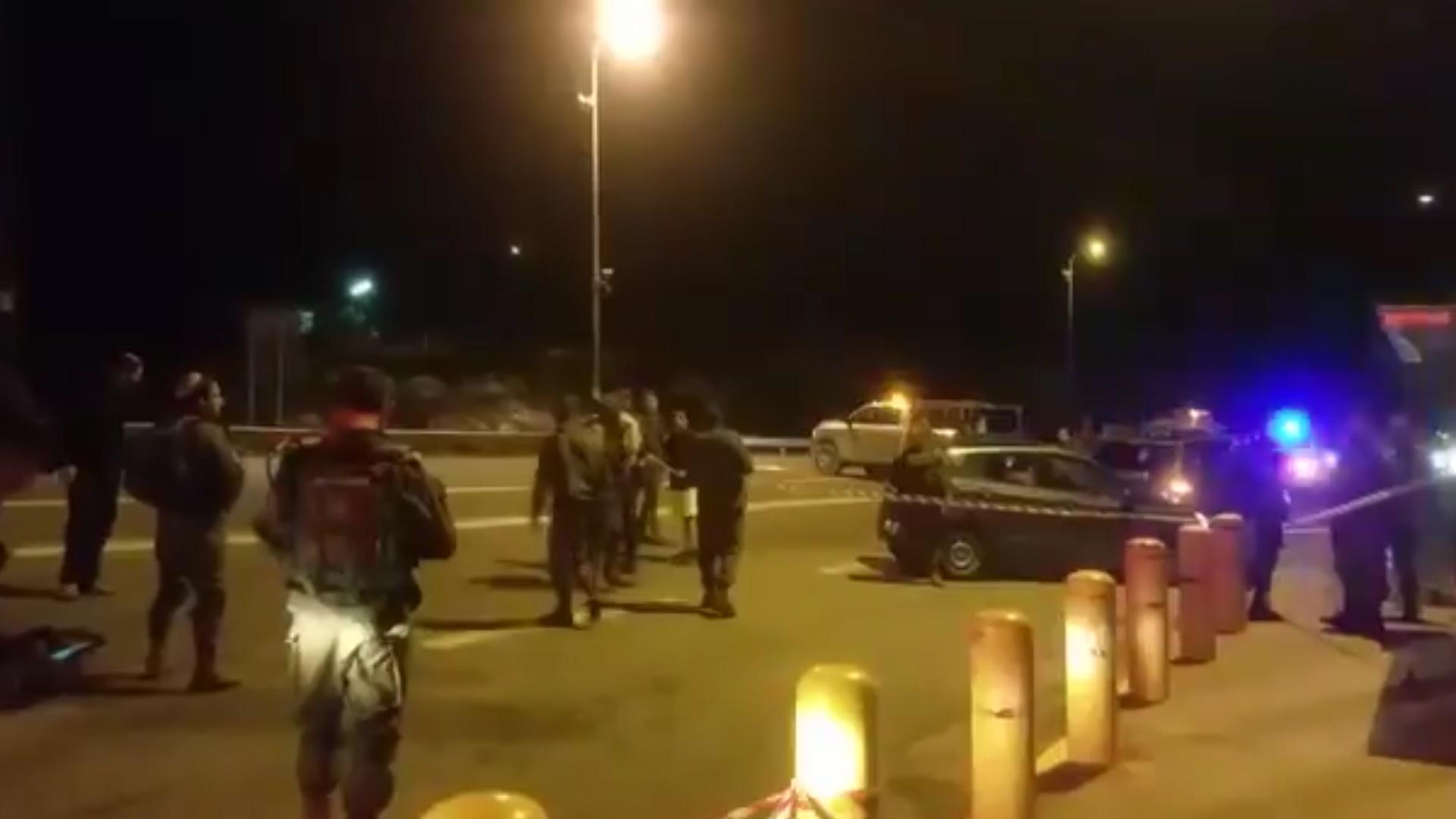 La policía israelí trabaja en la zona del atentado