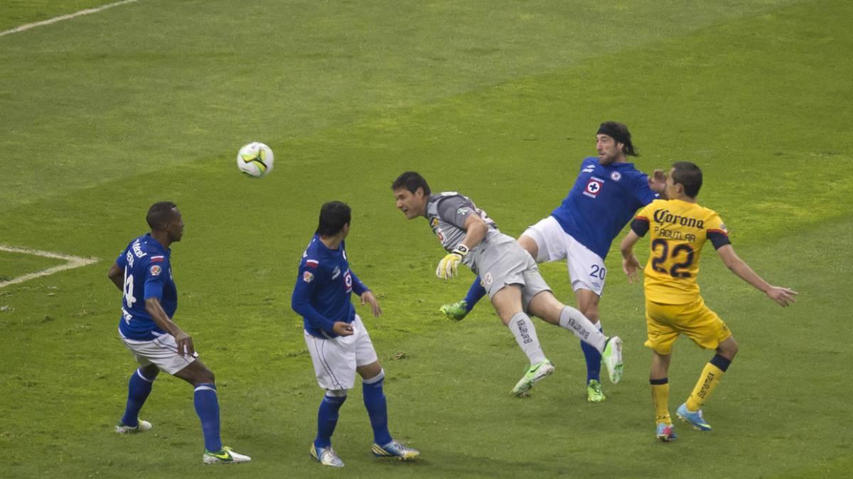Un gol del portero Moisés Muñoz ayudó a que el América venciera a Cruz Azul en la final de 2013 (Foto: Mexsport)