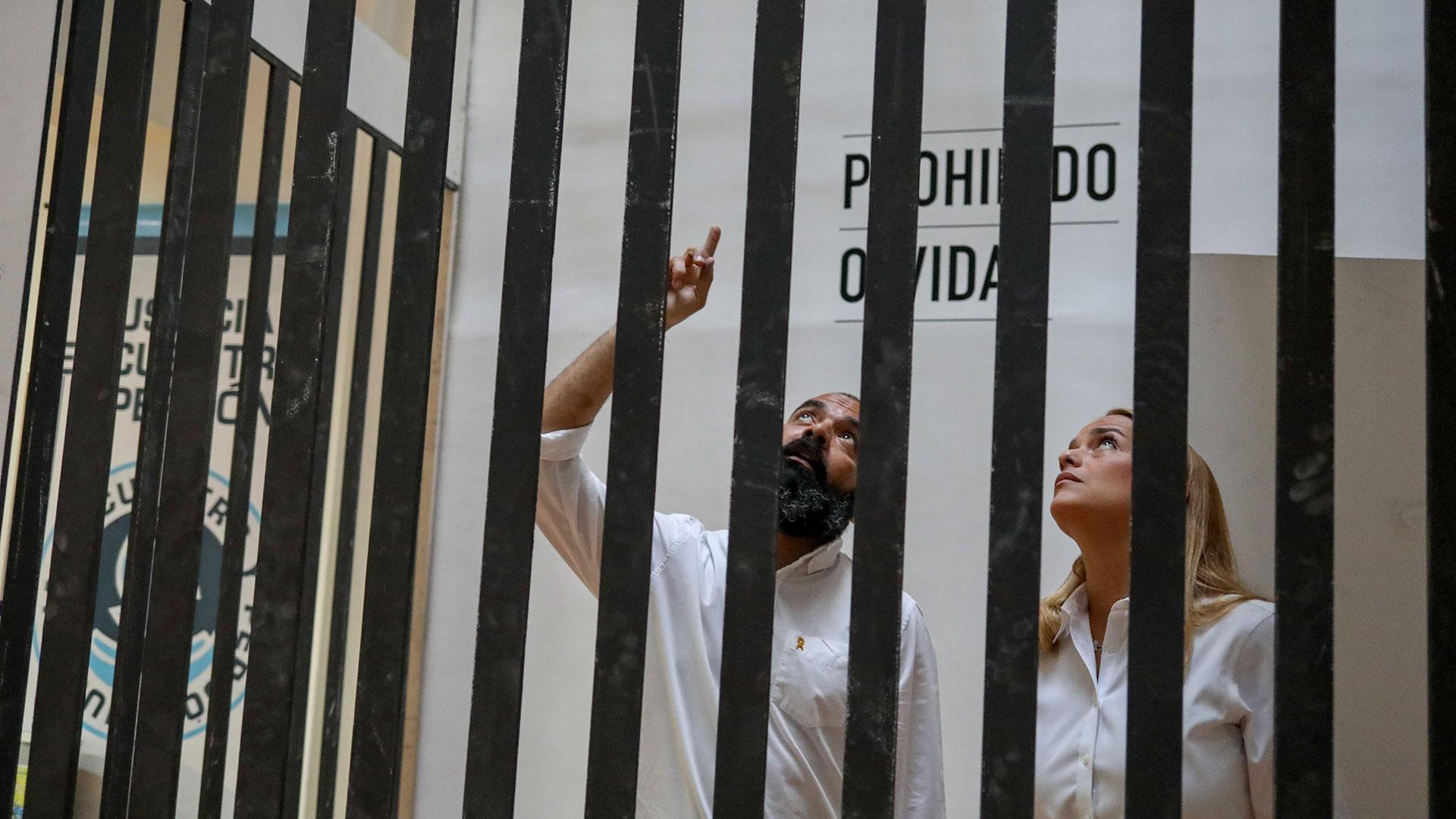La exposición fue presentada por un grupo de activistas por los derechos humanos junto con el partido Voluntad Popular (EFE)