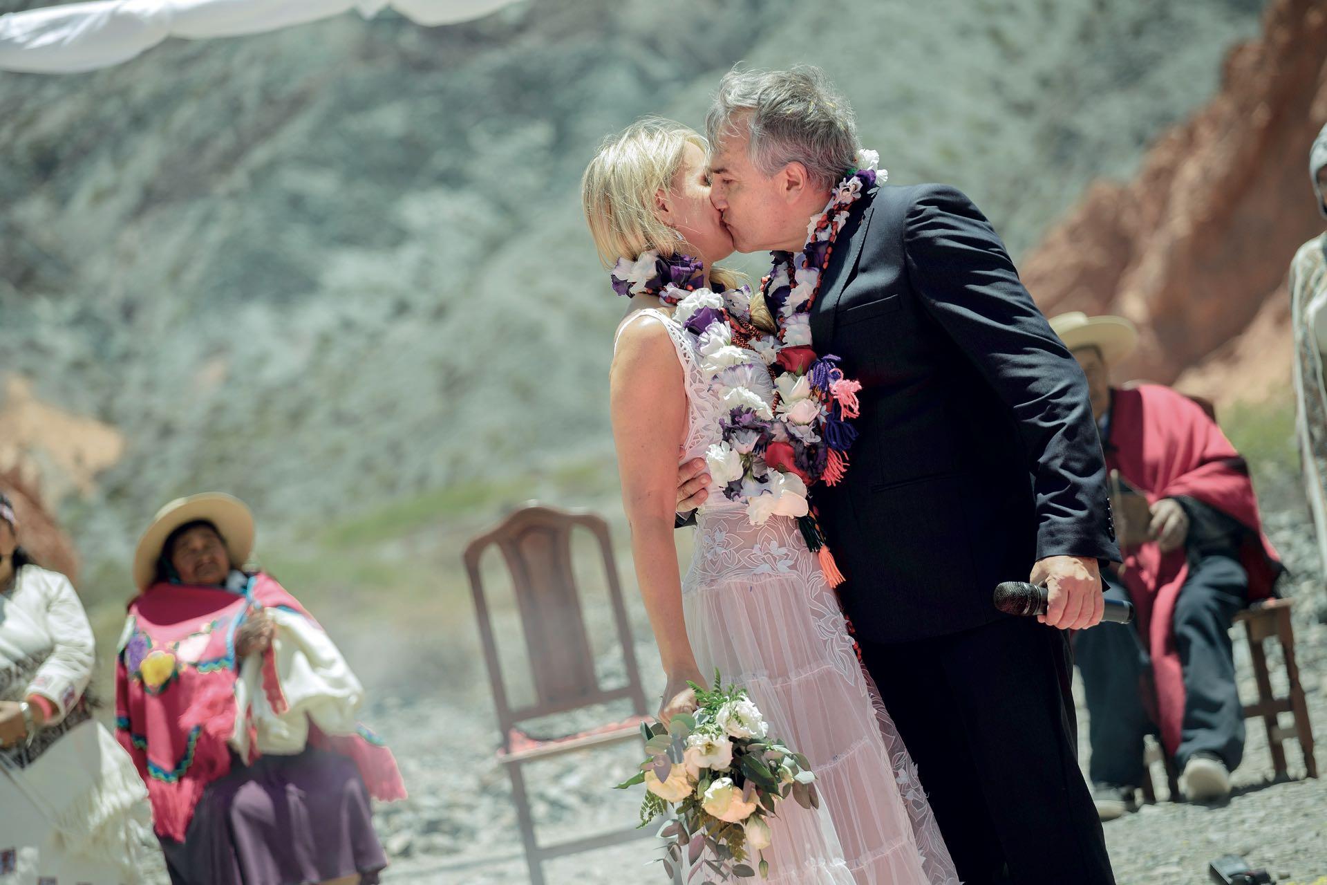 Todo concluyó con un beso.
