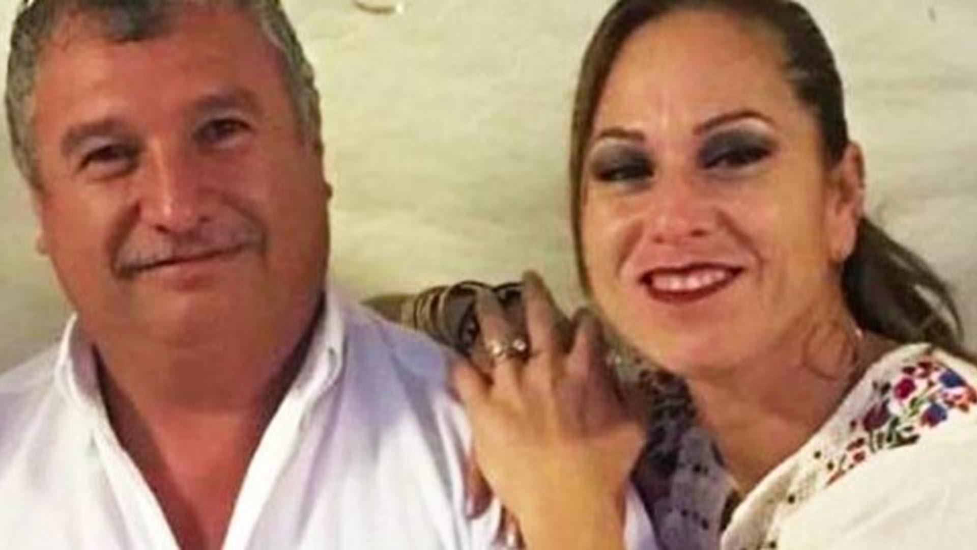 La alcaldesa de Juárez, municipio de Coahuila, con su esposo. (Foto: Especial)