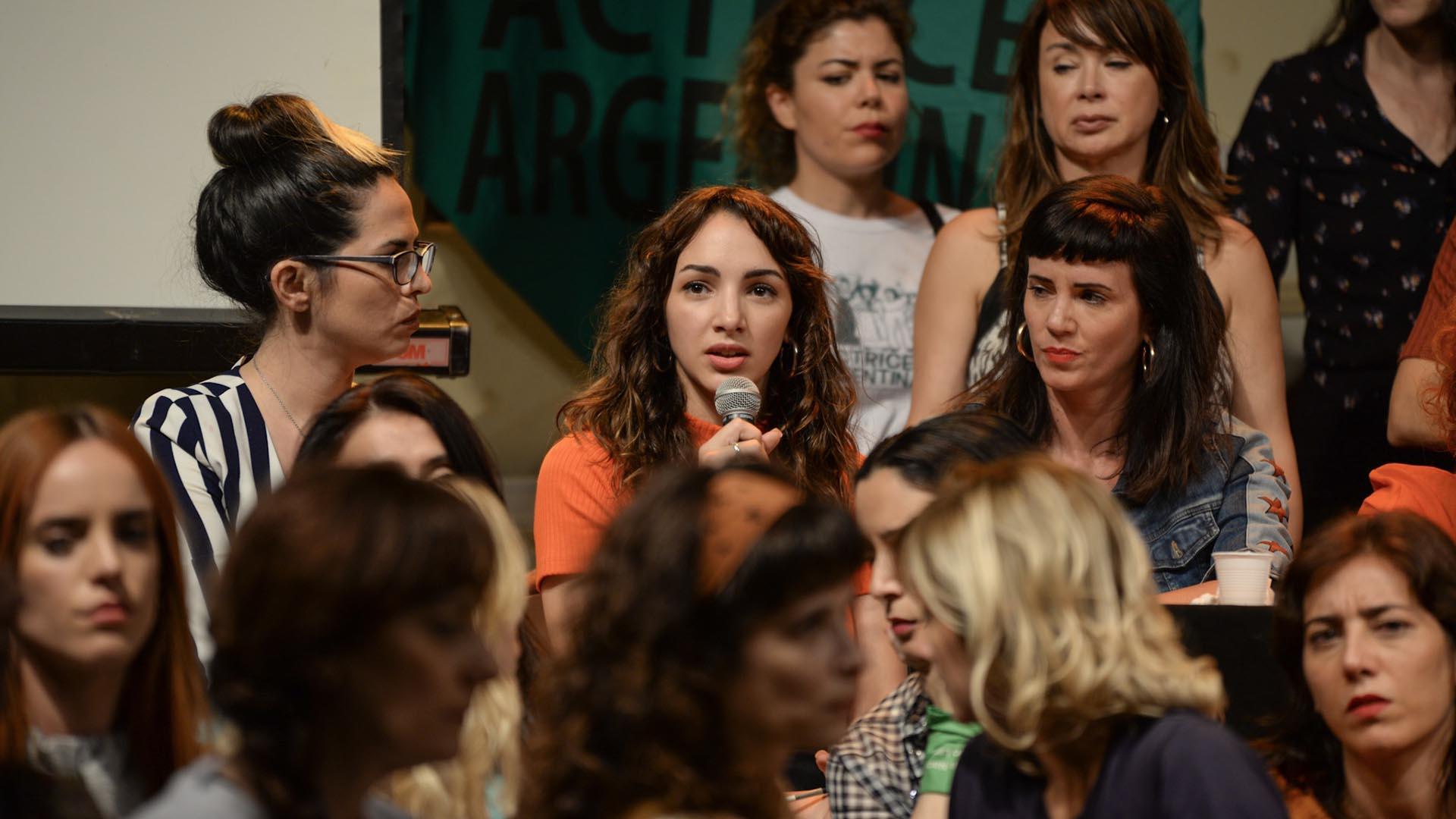 Thelma Fardín, respaldada por Actrices Argentinas, al momento de realizar su denuncia contra Darthés