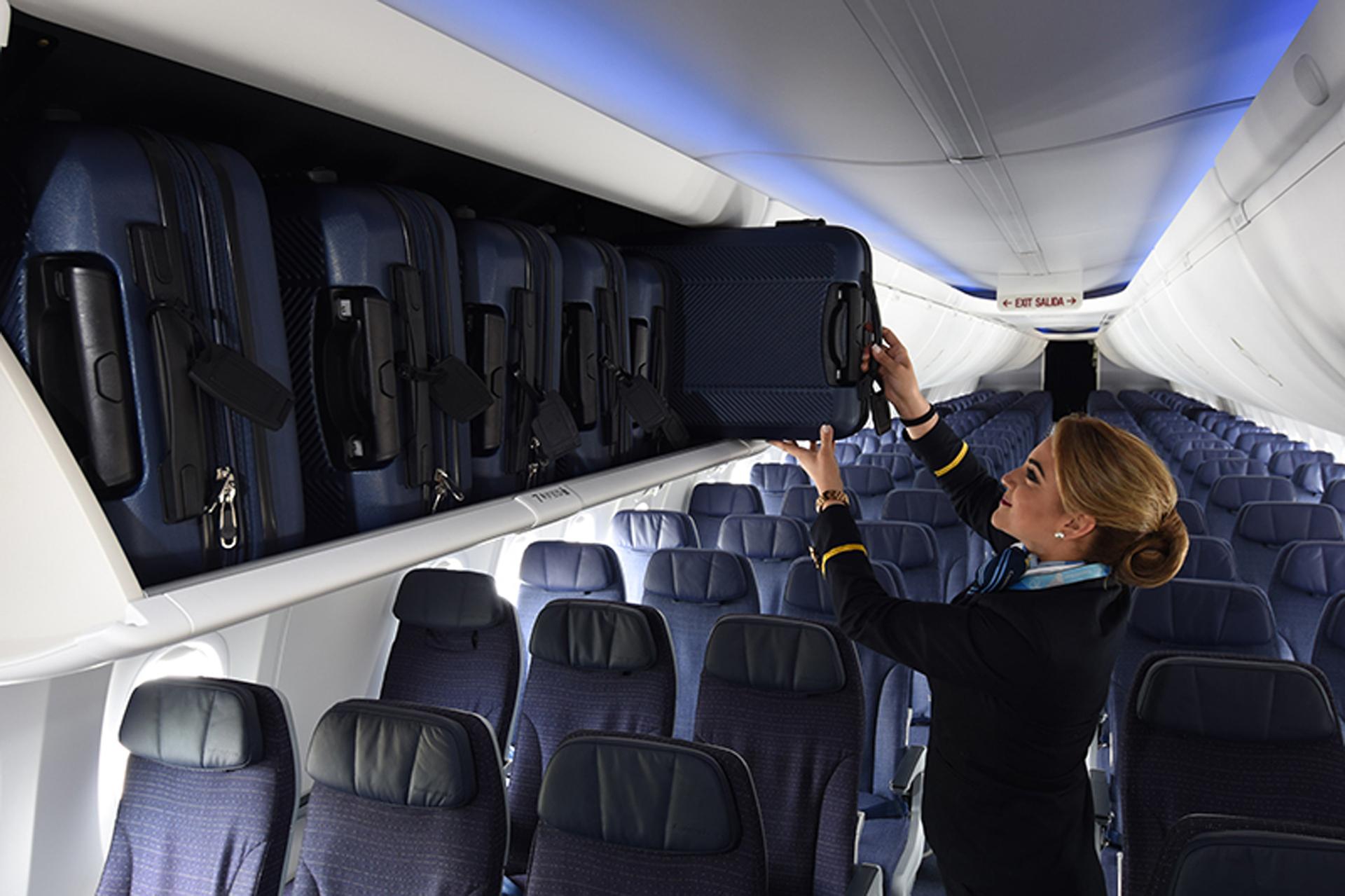 Los compartimentos superiores para equipaje de mano tienen cerca de un 50% de más espacio.