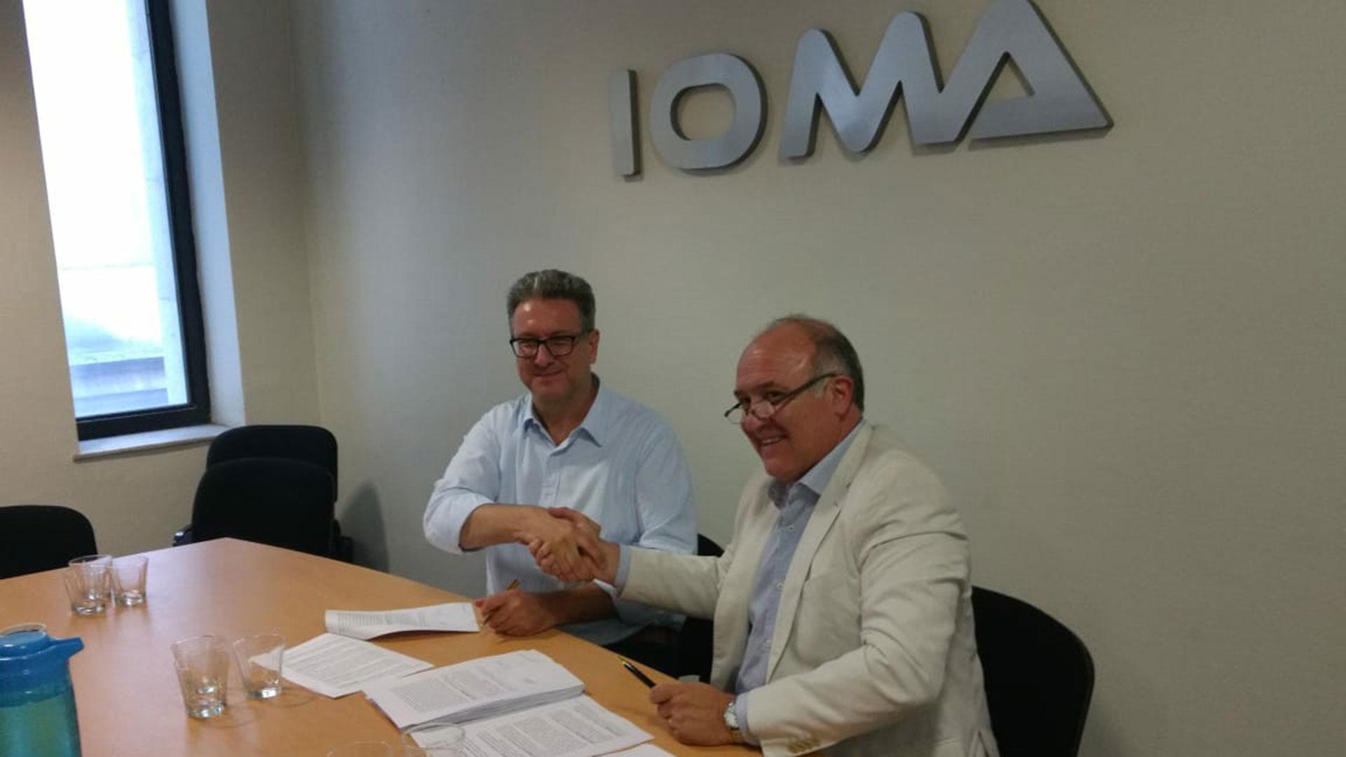 IOMA Implant Files - Pablo Di Liscia, titular de IOMA, con Gustavo Gimenez, de la Asoc Medicos Mar del Plata