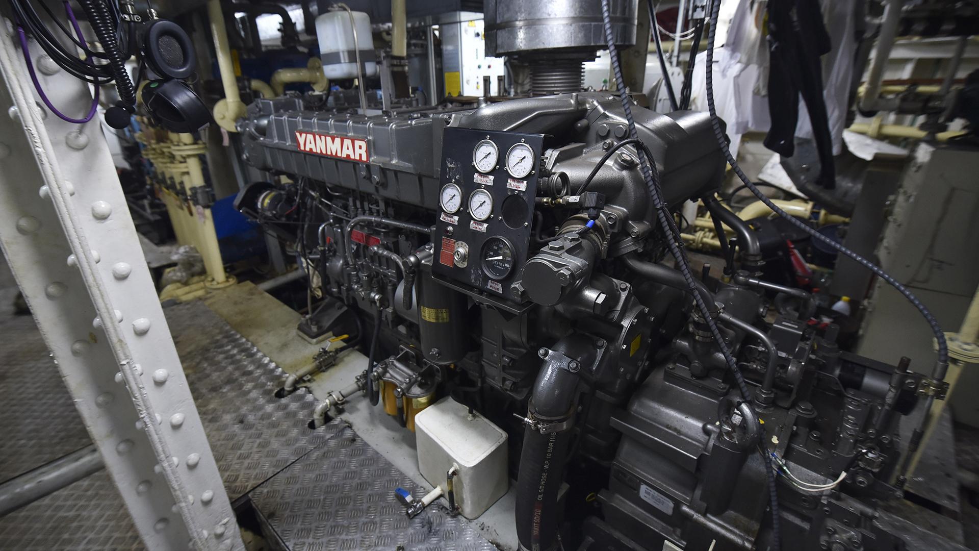 El motor del velero escuela es también nuevo (Guillermo Llamos)