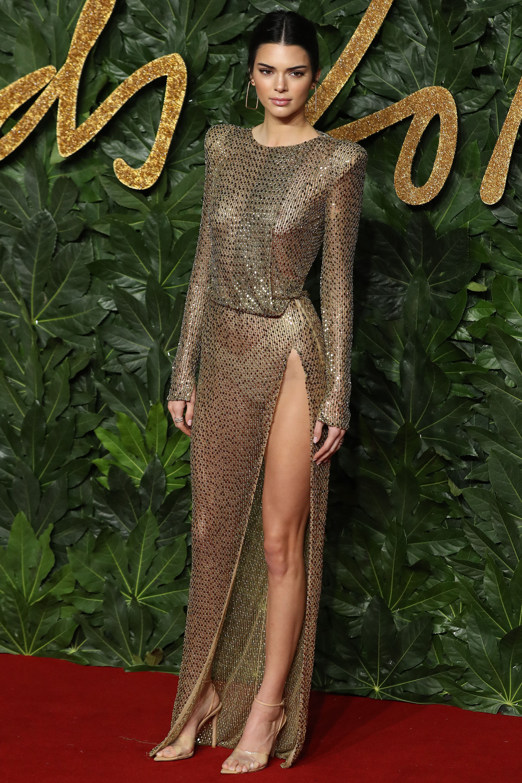 Kendall Jenner acaparó todas las miradas en la red carpet