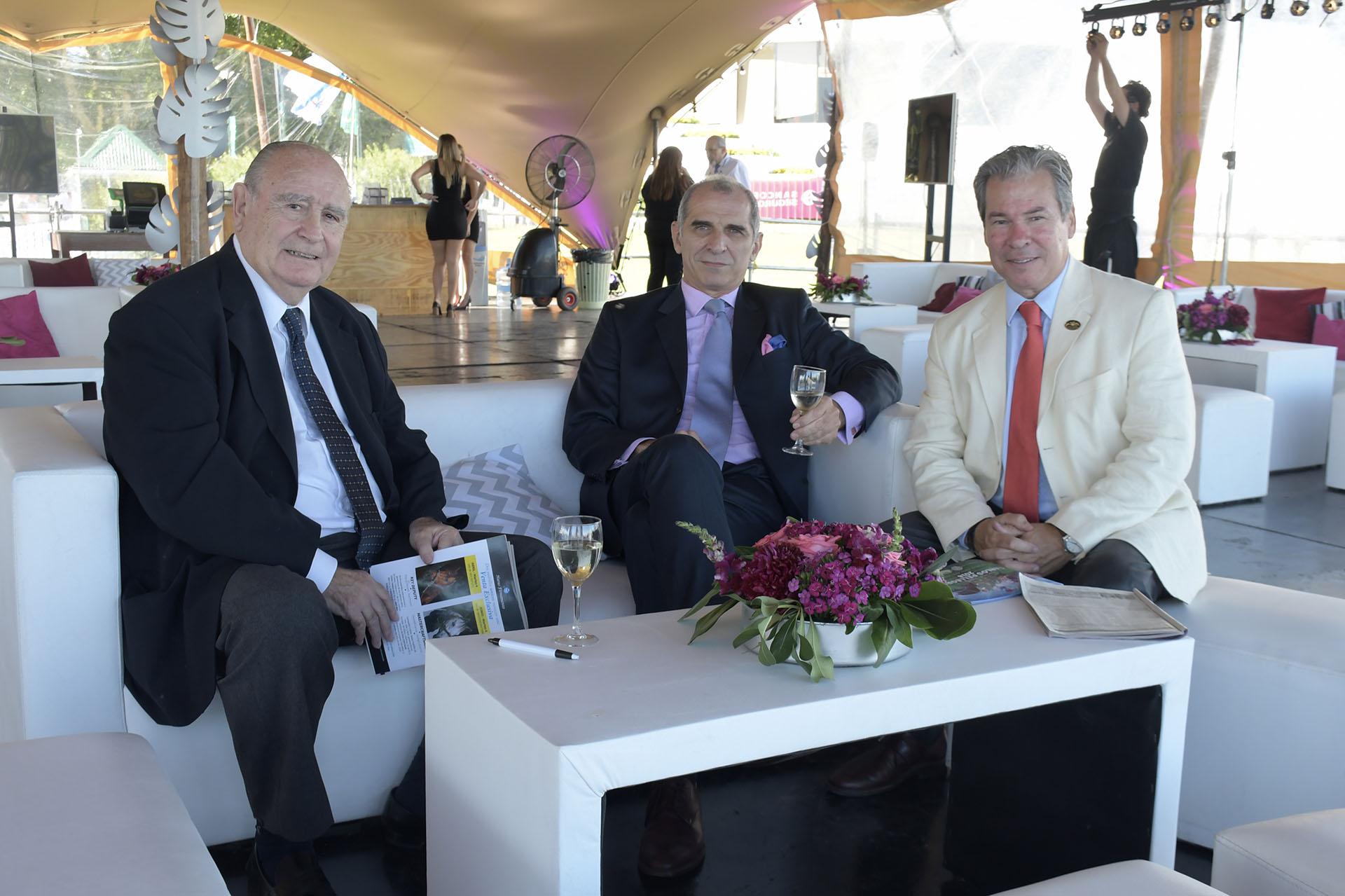 Alejandro Saravia, Gerardo Rodrigo Goyena y Alfredo Mayol, socios del Jockey Club