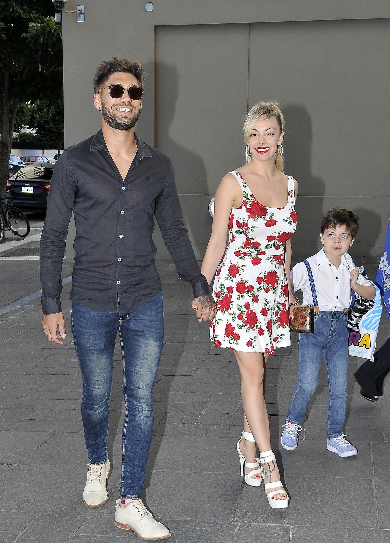 Gisela Bernal llegó a la fiesta de Matilda con su hijo Ian y su pareja