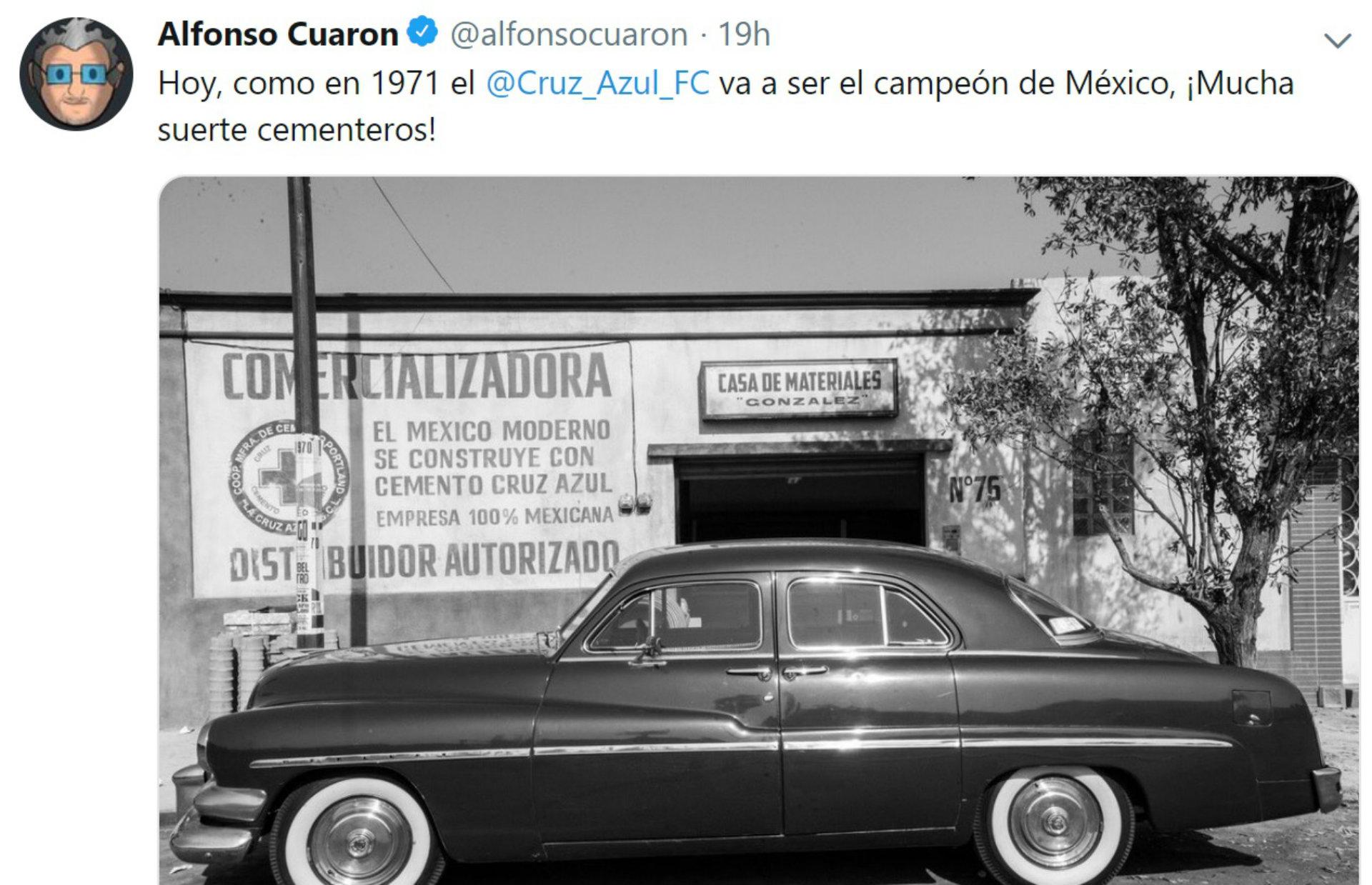 En Twitter, Cuarón ha mostrado su afición al Cruz Azul (Foto: Twitter)
