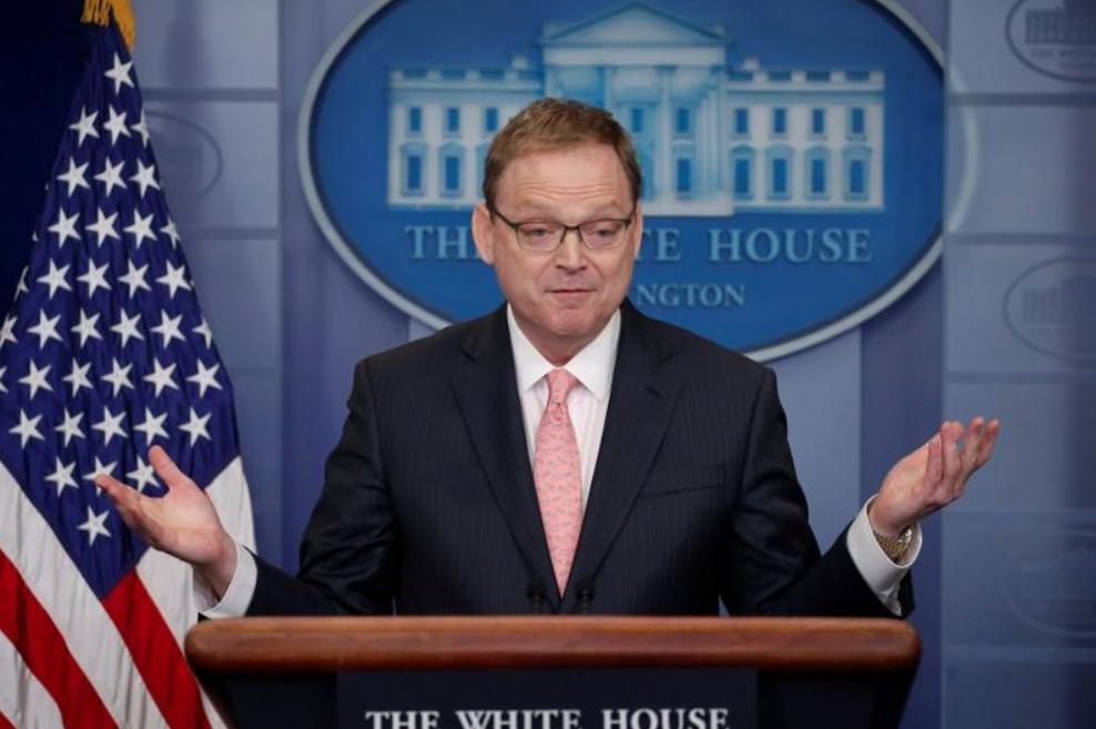 El asesor económico de la Casa Blanca Kevin Hassett en una rueda de prensa en Washington, feb 22, 2018. REUTERS/Jonathan Ernst