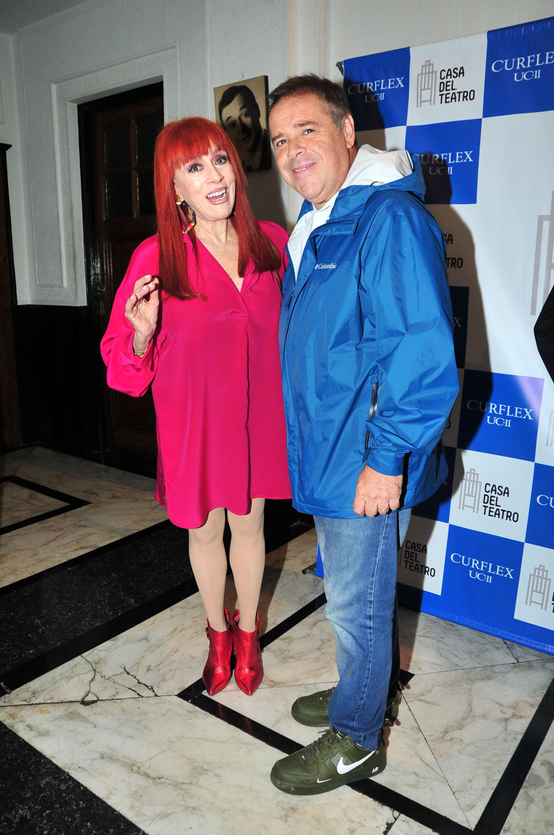 Linda Peretz, presidente de la Casa del Teatro, junto a Carna