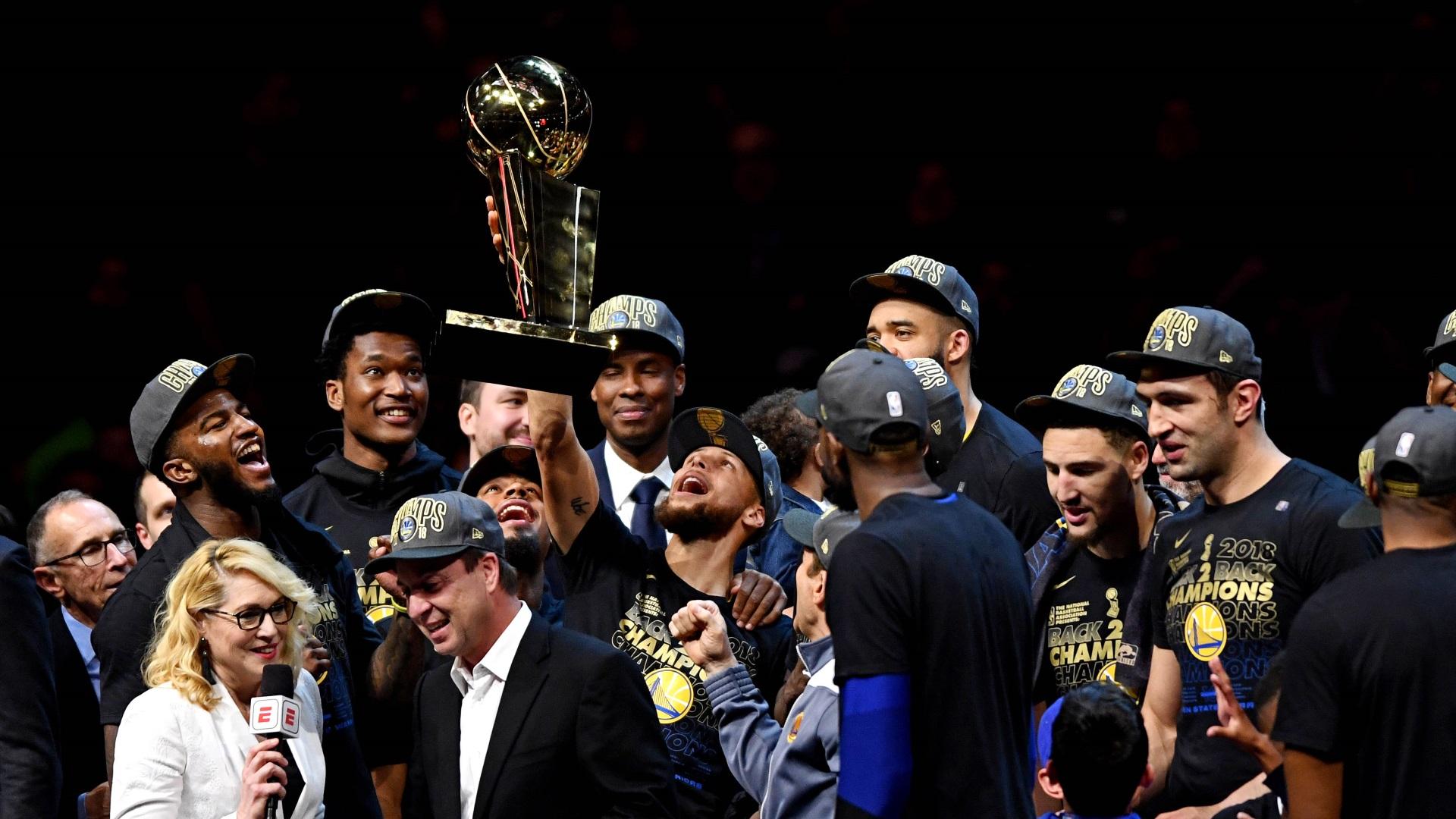 Golden State Warriors derrota a Cleveland Cavaliers y se consagra campeón de la NBA por tercera vez en cuatro años el 9 de junio