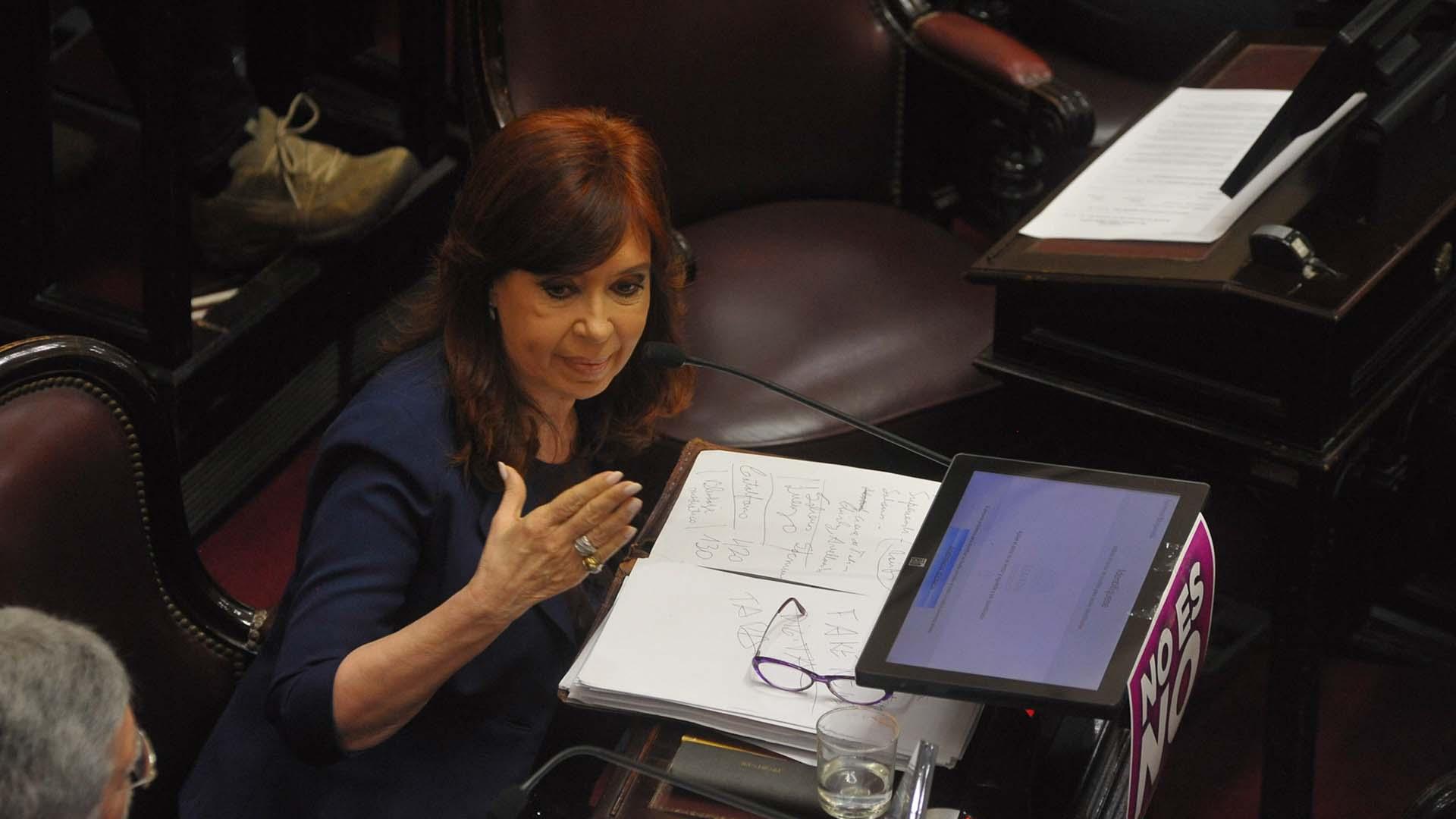 Pochetti también se refirió al vínculo de su marido con la ex presidente Cristina Kirchner