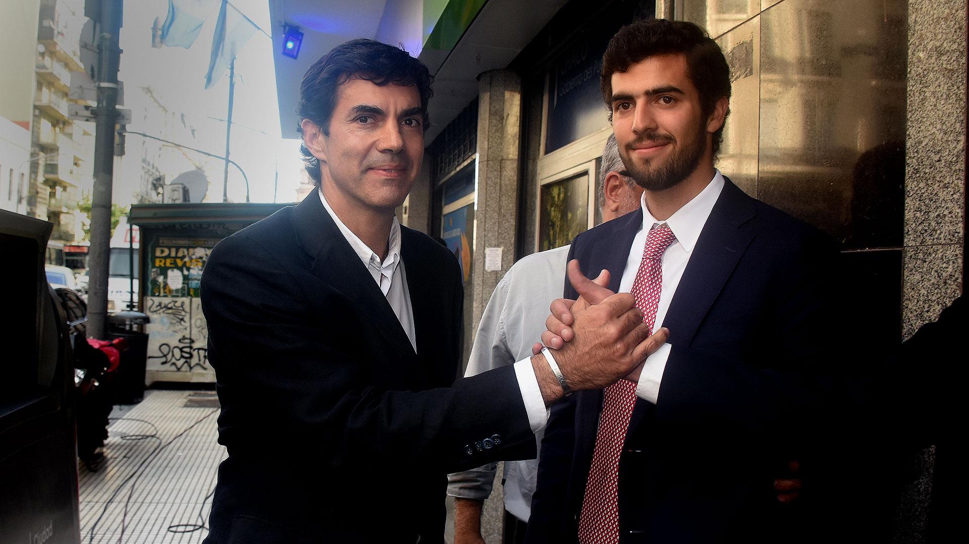 Juan Manuel Urtubey junto a uno de sus hijos