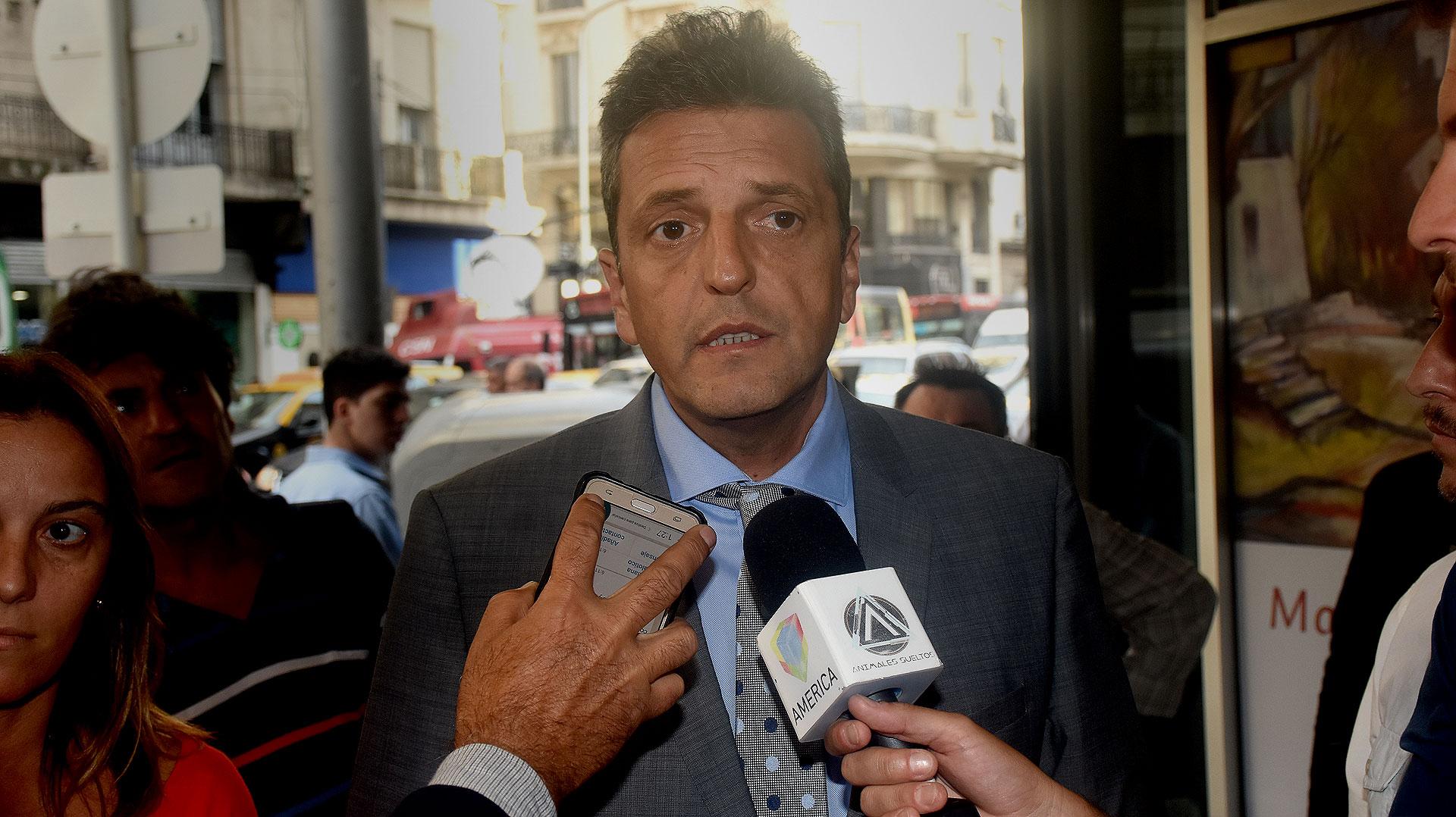 Sergio Massa durante la rueda de prensa que brindó en la Casa de Córdoba