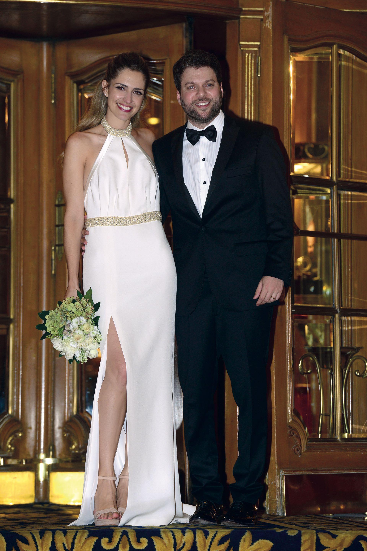 El conductor y su mujer, con quien tiene dos hijos, se casaron por civil en una ceremonia en el salón Versalles del Hotel Alvear con cerca de 200 invitados.
