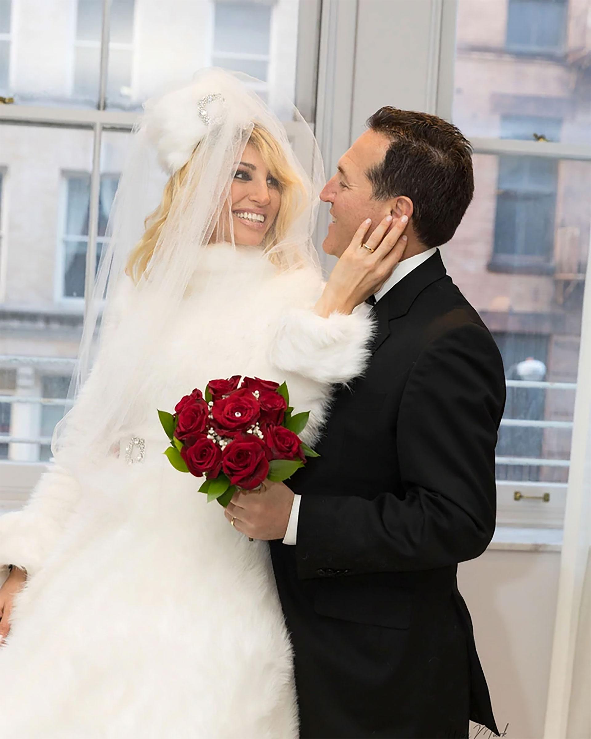 La mediáticase casó en Nueva York en una boda súper secreta con el millonario Javier Naselli y todas las miradas se posaron sobre su vestido de novia, que luego donó para ayudar a un niño que debía realizar un costoso tratamiento con células madre en Tailandia.