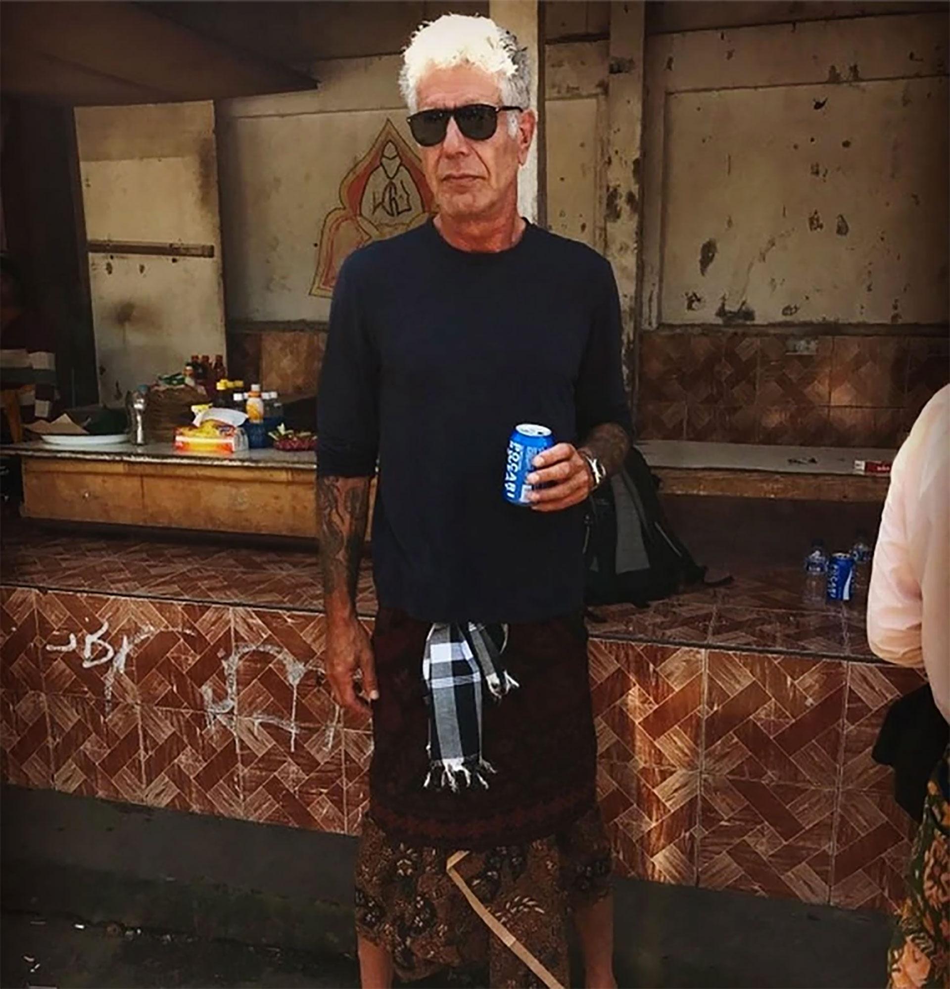 El cocinero y estrella en la televisión estadounidense se suicidó a los 61 años. Era el conductor de Parts Unknown, un programa sobre comida y viajes con el que recorría el mundo.
