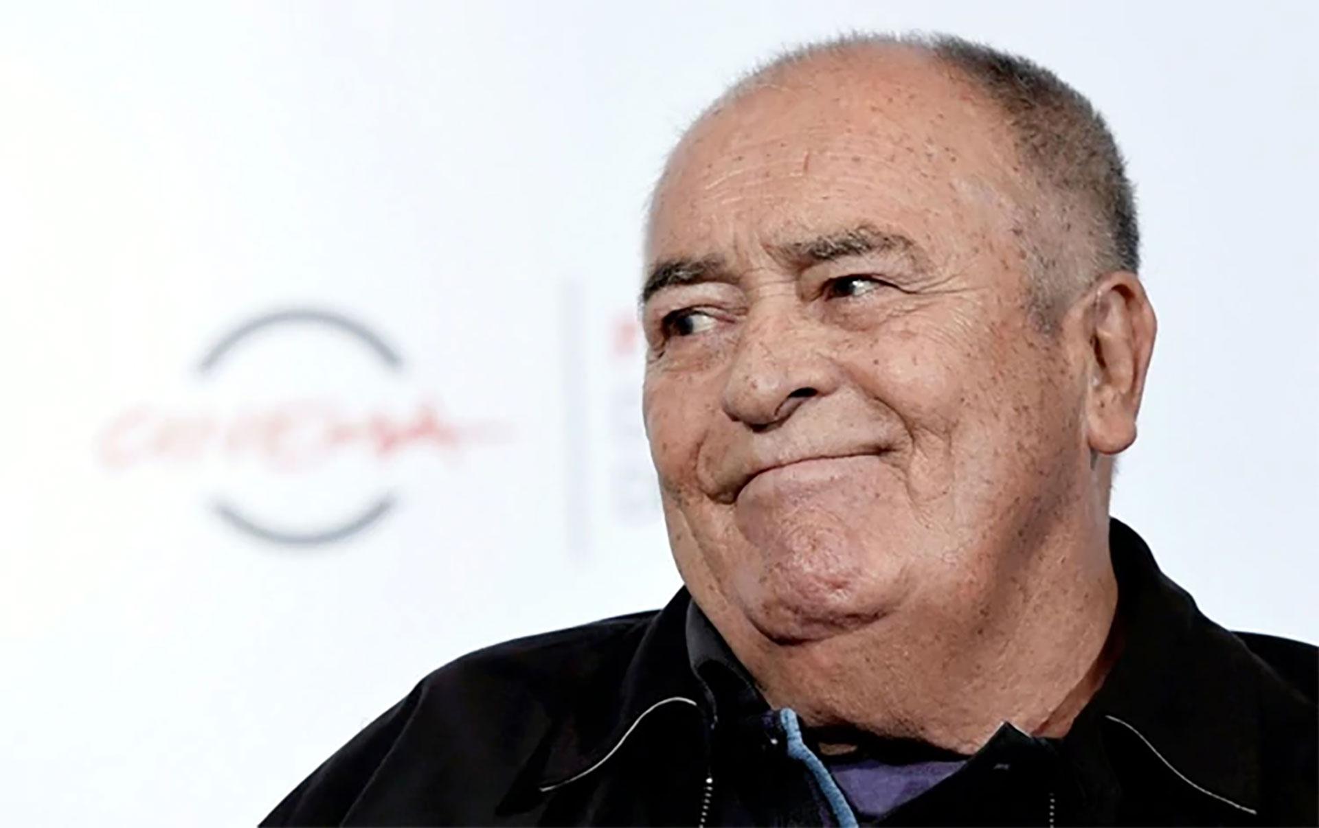 """El director italiano falleció en Roma a los 77 años, tras una carrera coronada por obras clave del cine como la erótica """"El último tango en París"""" y el drama épico """"Novecento""""."""