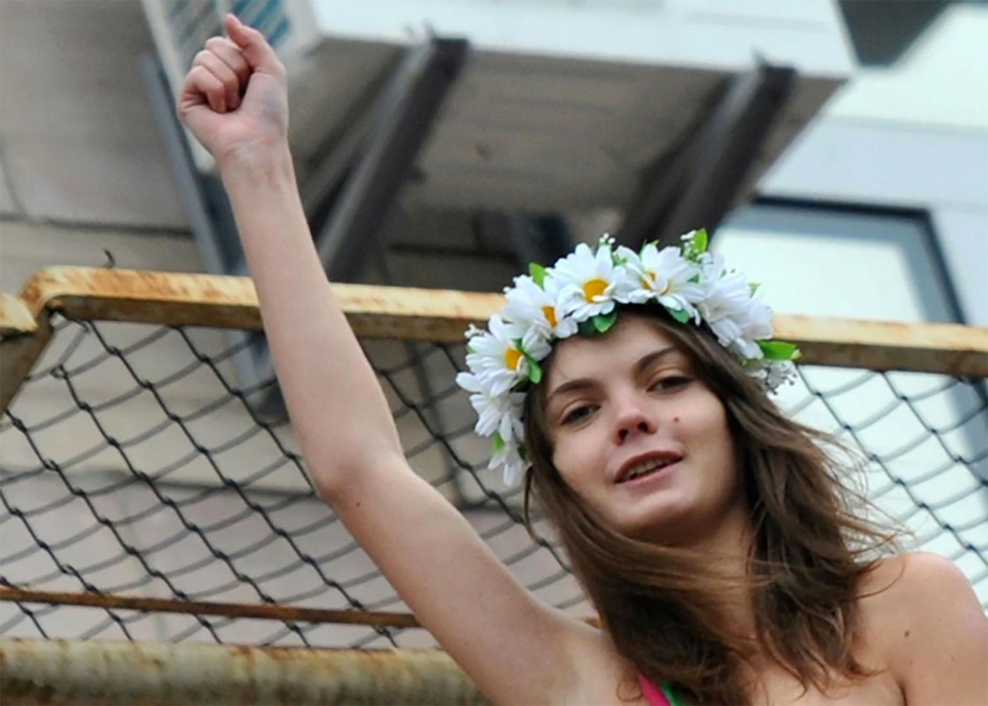 Una de las fundadoras del grupo feminista Femen, fue hallada muerta en su apartamento en París. Exiliada en Francia desde 2013, la joven ucraniana de 31 años había abandonado el grupo y se dedicaba a pintar. (Foto: Instagram)