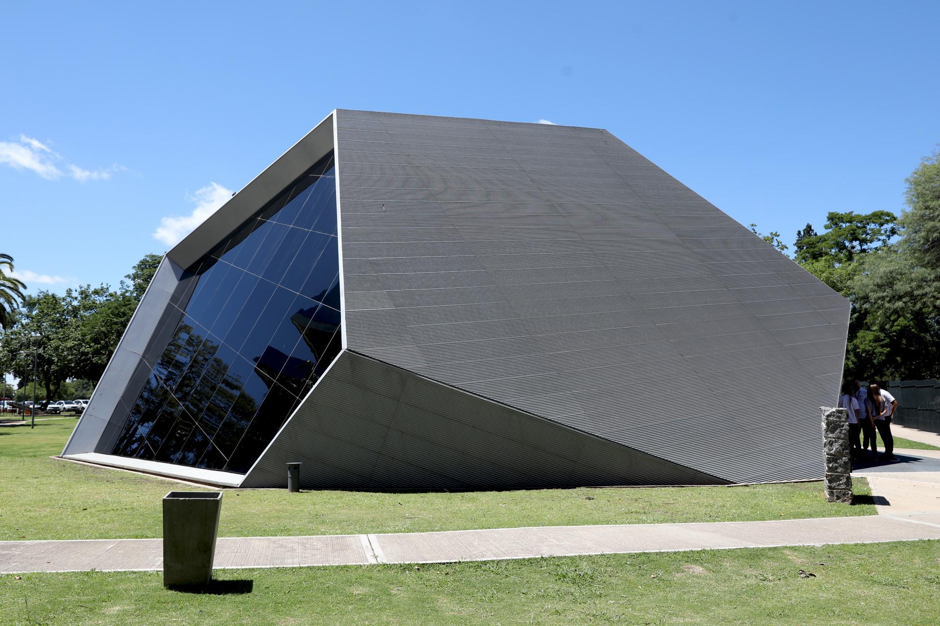 La Plaza es un espacio de referencia en el ámbito científico cultural de la provincia de Córdoba y el país. (Mario Sar)