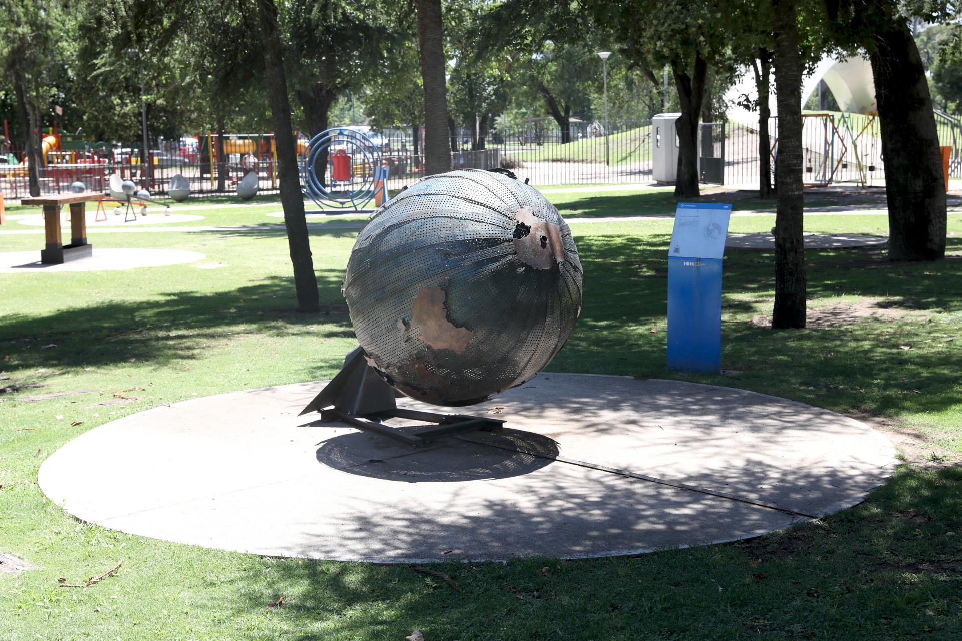 Plaza Cielo Tierra pone a disposición de sus visitantes la tecnología más avanzada del mundo para la reproducción de la esfera celeste y la simulación del cosmos y el espacio profundo (Mario Sar)