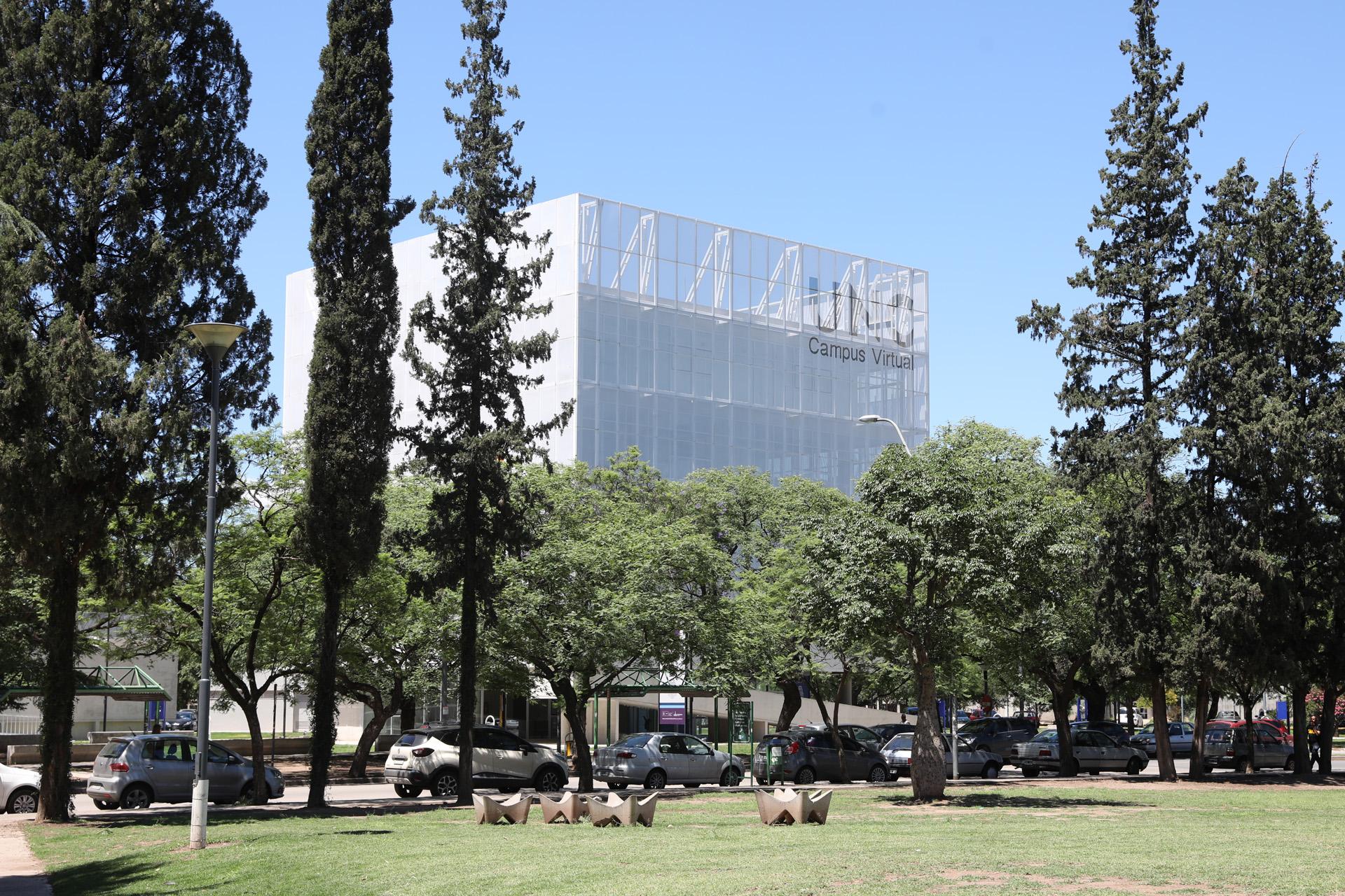 Depende de la provincia de Córdoba y la Universidad Nacional de Córdoba (Mario Sar)