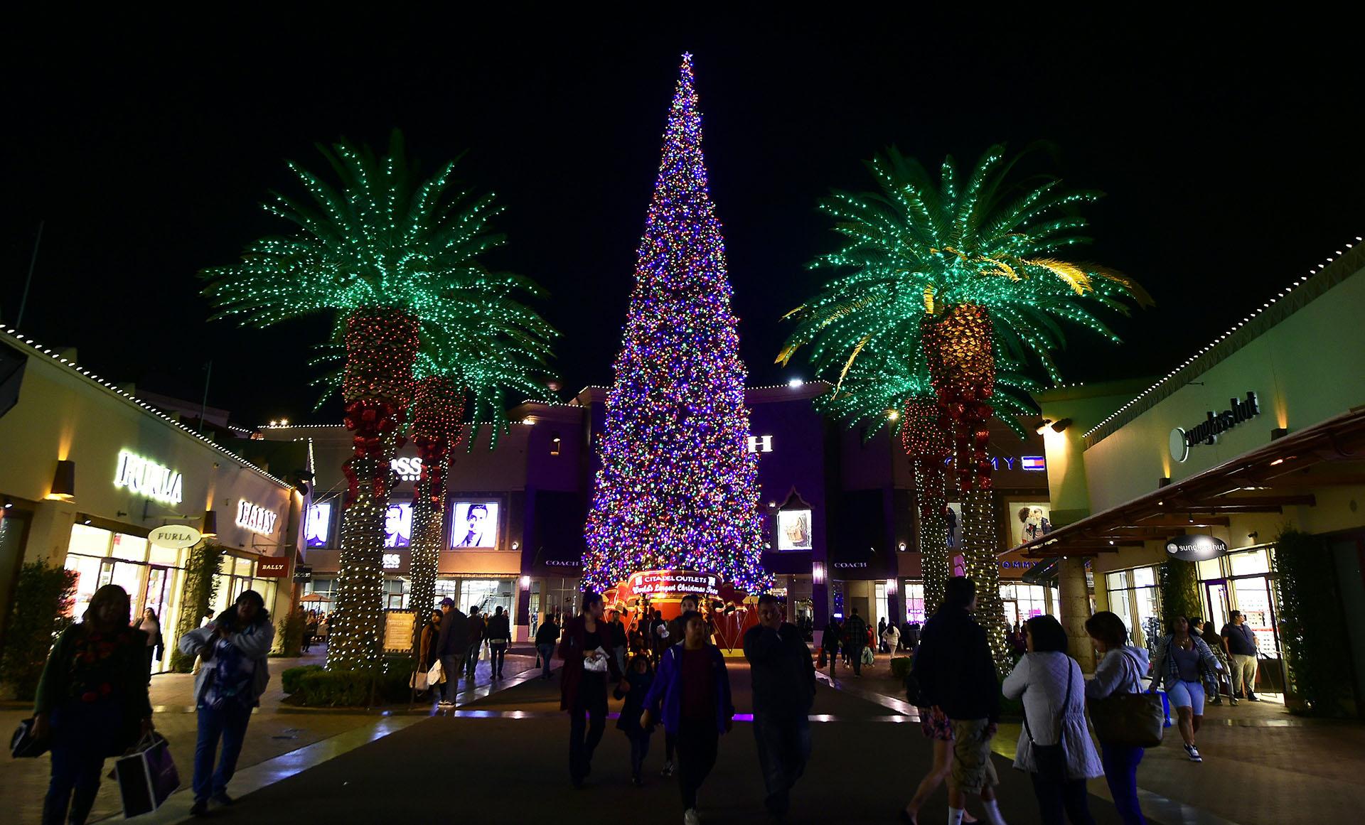 Un centro comercial de California (Photo by Frederic J. BROWN / AFP)