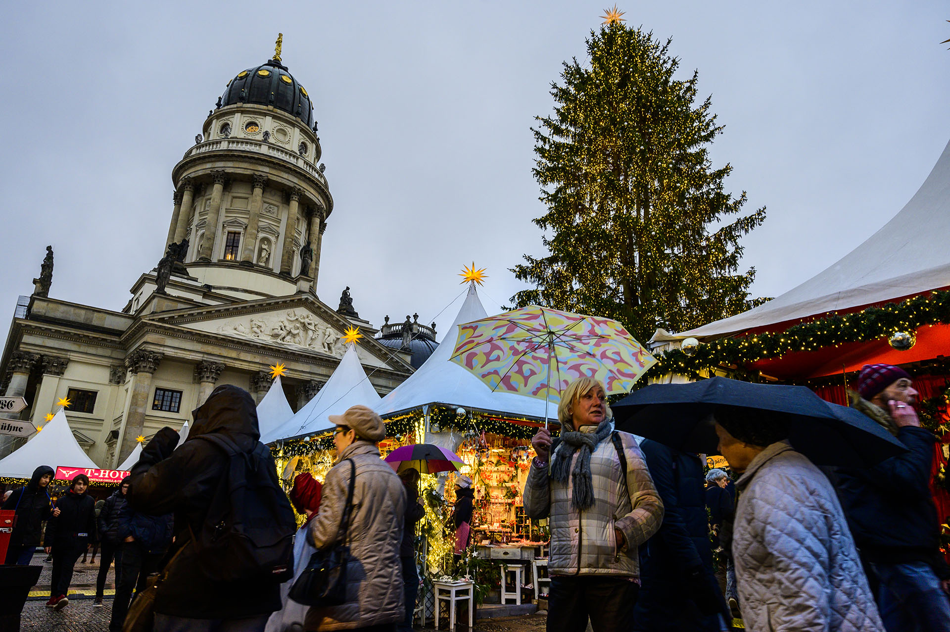 Berlín está decorada para Navidad (Photo by John MACDOUGALL / AFP)