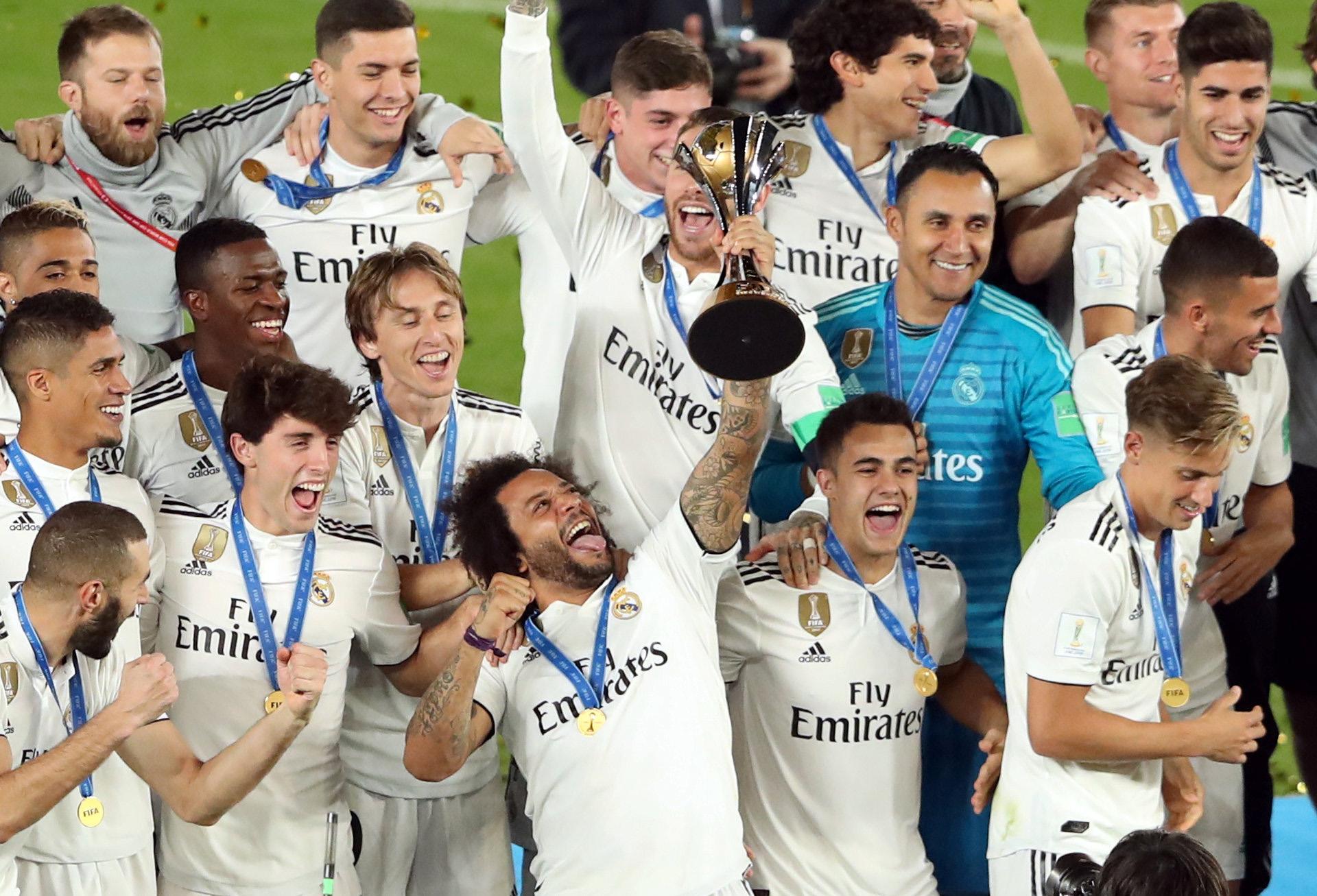 Los jugadores se quedaron con el trofeo tras vencer al Al Ain en la finalEl Real Madrid venció al Kashima Antlers en semifinales