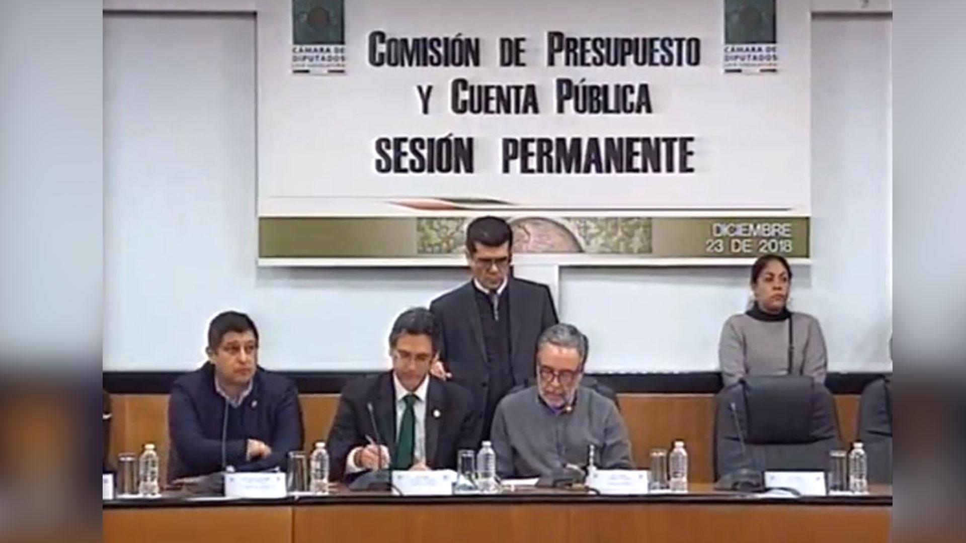 La Comisión de la Cámara de Diputados aprobó el Presupuesto de Egresos 2019 con 34 votos a favor (Fotos: Twitter @mx_diputados)