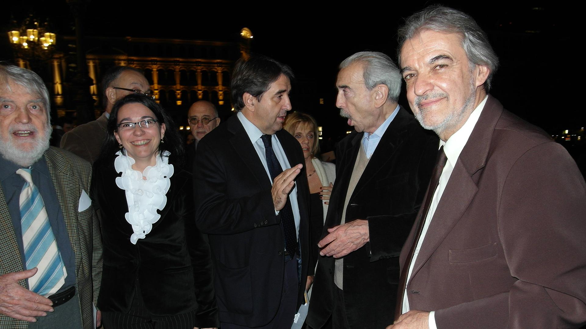 Osvaldo Bayer, Analía Argento, el periodista español Antoni Traveria, Juan Gelman y Rodolfo Mederos