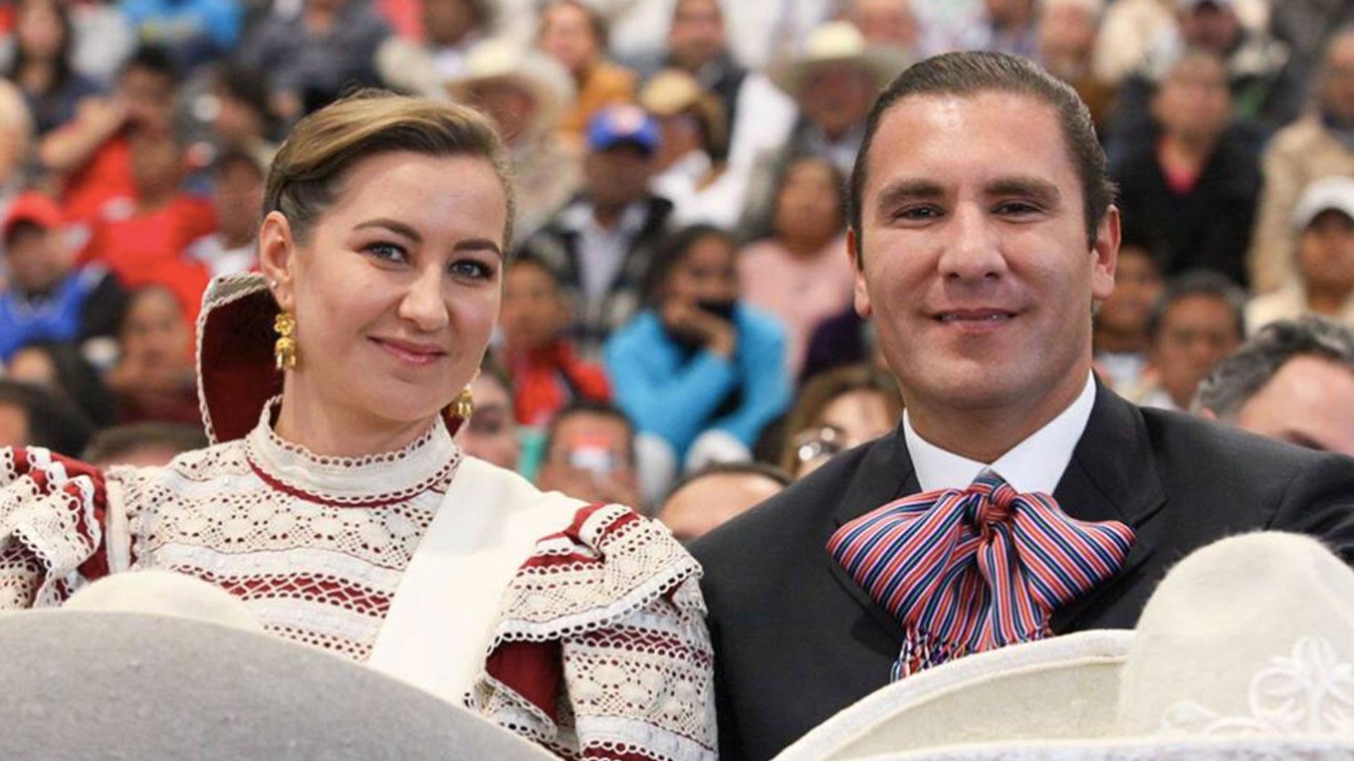 Se casó con Martha Erika Alonso en 2004 (Foto: Facebook Rafael Moreno Valle)