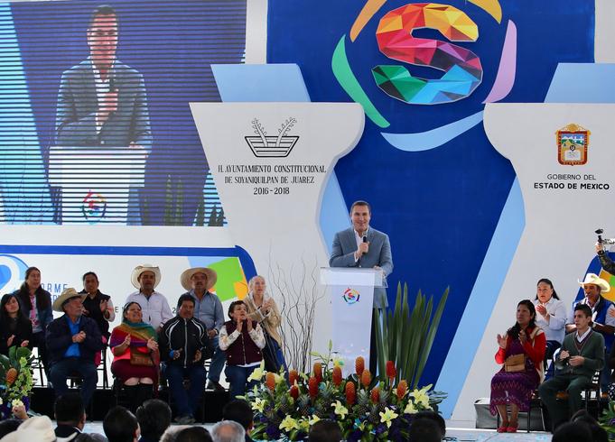 Comenzó su carrera como asesor en el Partido Revolucionario Institucional (PRI) (Foto: Twitter Rafael Moreno Valle)